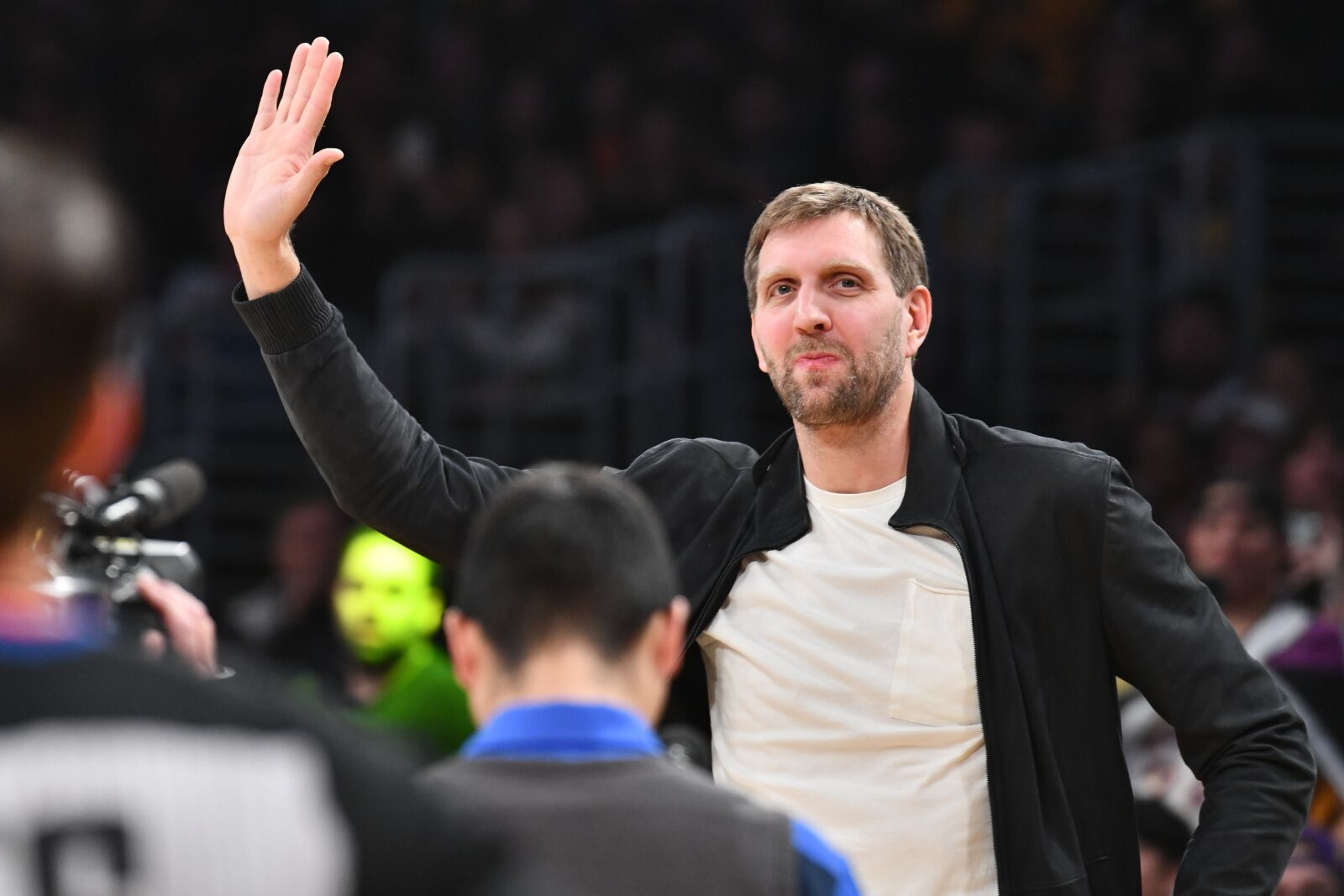 Los Angeles Lakers: Team pays respects to NBA legend Dirk Nowitzki with tribute video