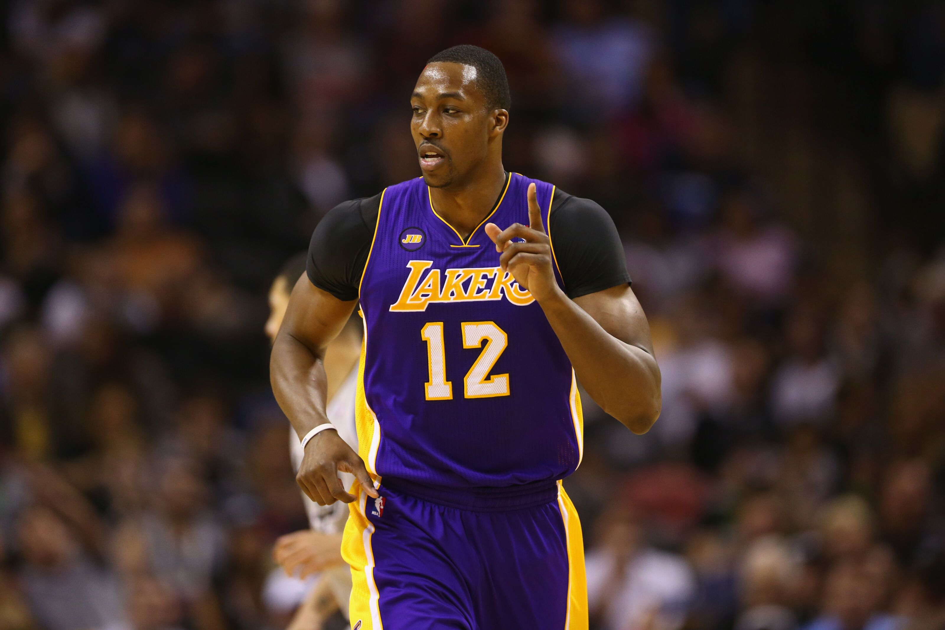 Los Angeles Lakers: Dwight Howard is open to a return
