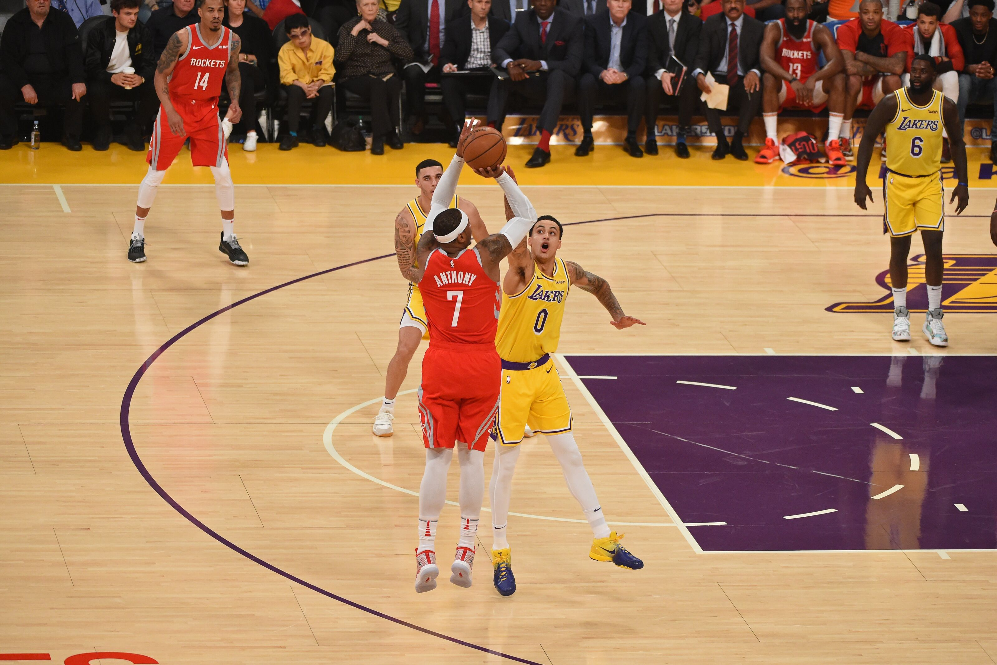 Los Angeles Lakers: 4 reasons to buy or sell Carmelo Anthony