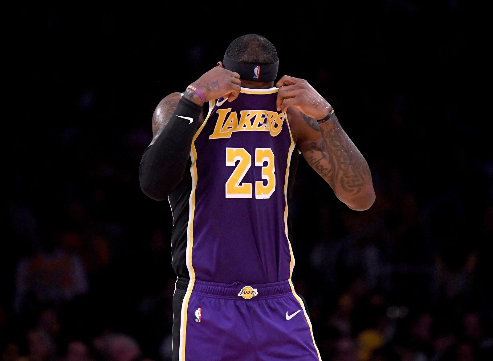Los Angeles Lakers: Can they grab the runner-up spot in Pacific Division?
