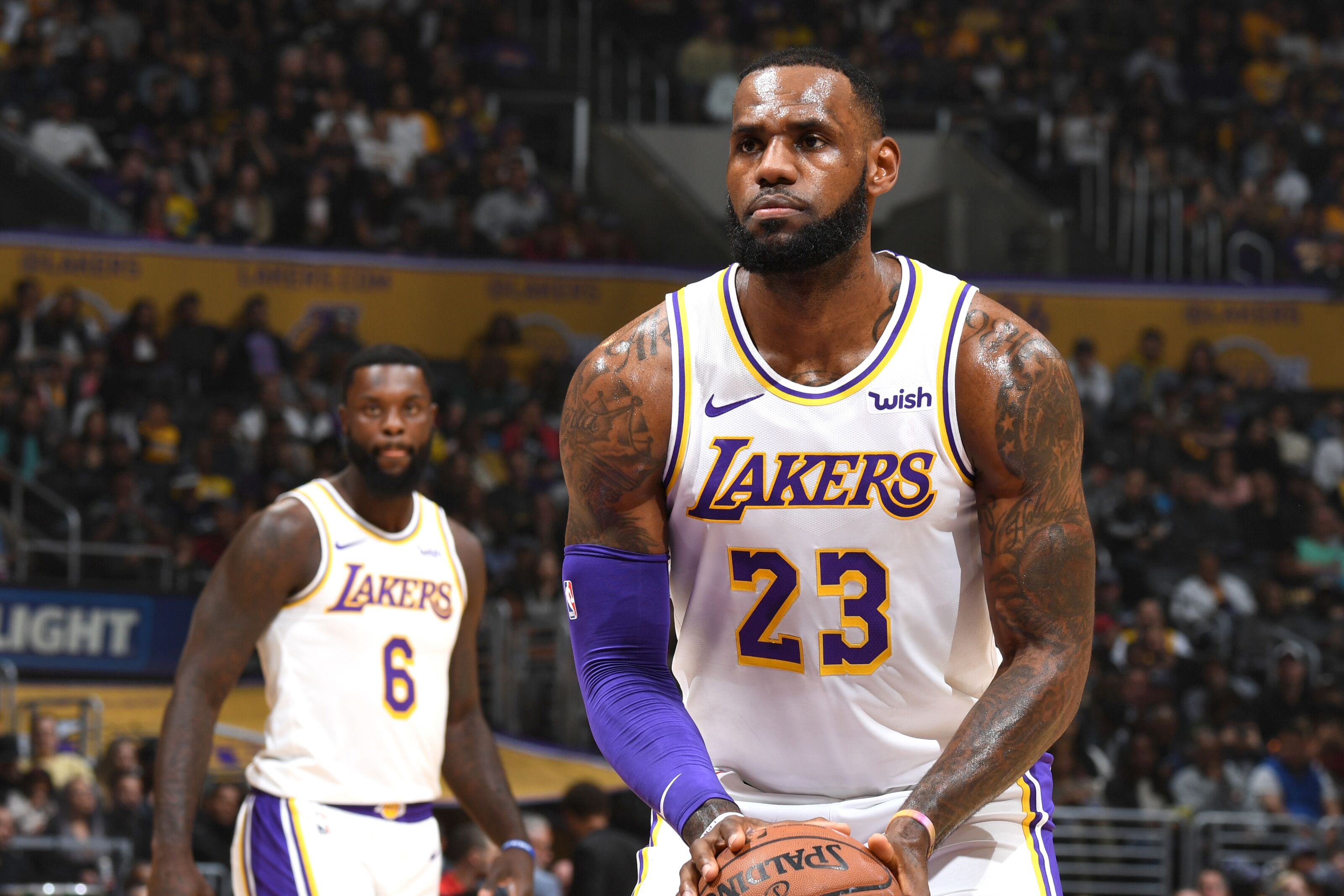 buy online 76de4 4f7c8 Los Angeles Lakers: LeBron James refers to his FT shooting ...