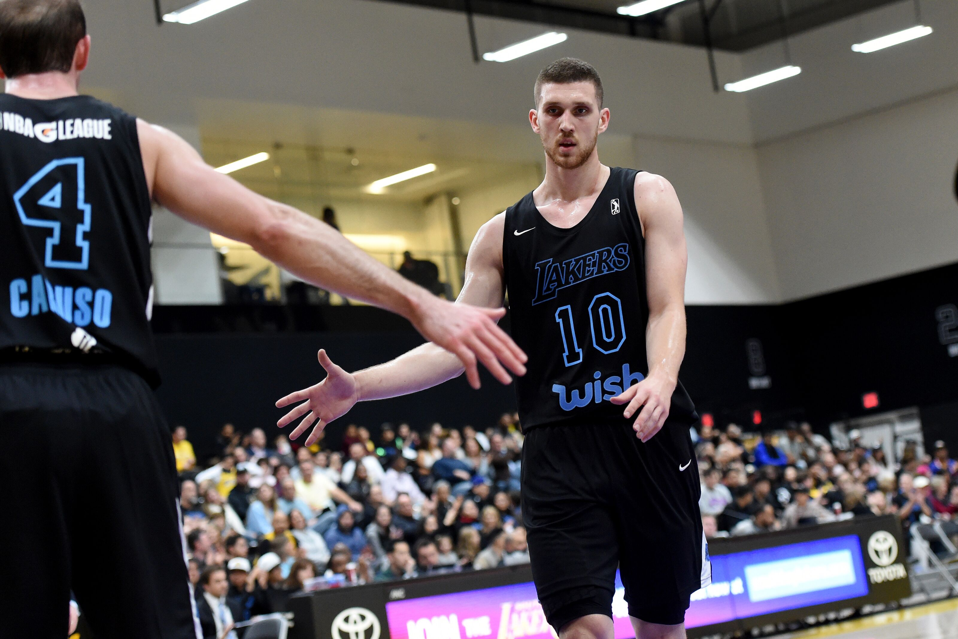 82f427670926 Los Angeles Lakers Svi Mykhailiuk scores 47 points with South Bay Lakers