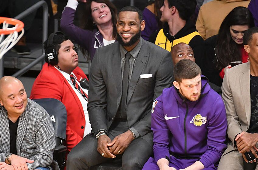 "0afabb068a1 Lakers Rumors  LeBron James  camp reportedly ""prefers a coaching change""!"