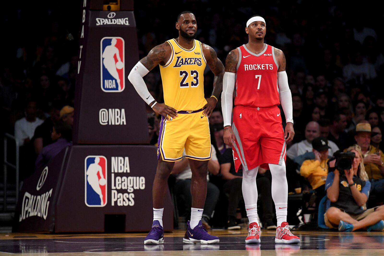 Los Angeles Lakers: Please, stay away from Carmelo Anthony