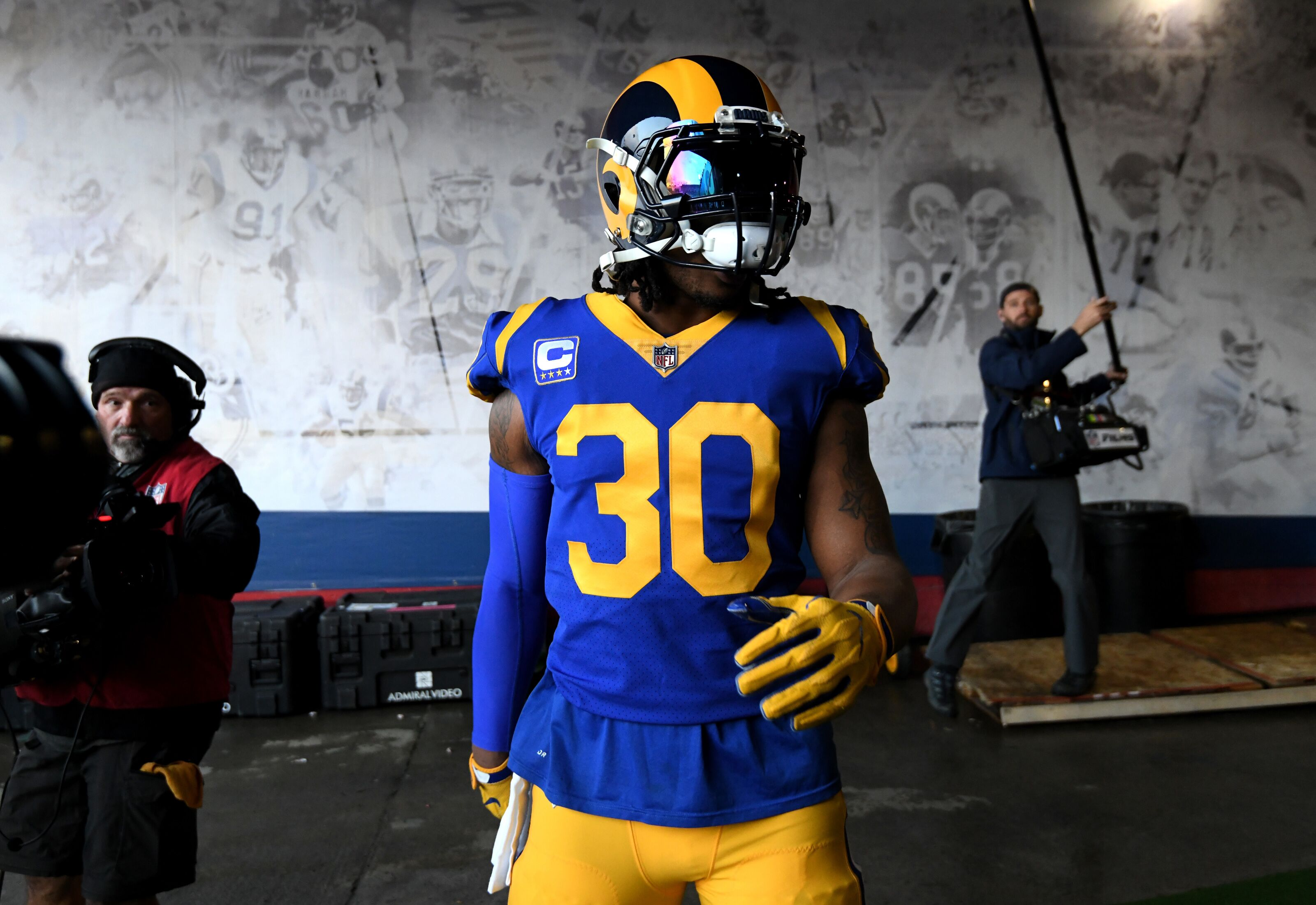 Los Angeles Rams: Todd Gurley is still be worth a first-round pick