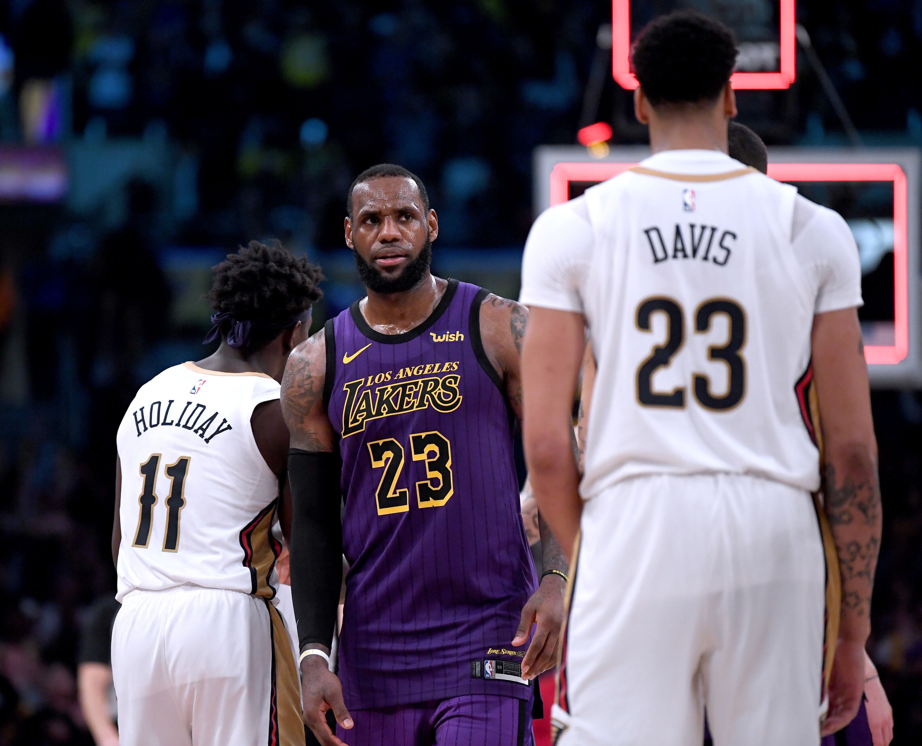9cc370188d1525 Los Angeles Lakers  Win over Warriors accelerates Anthony Davis trade
