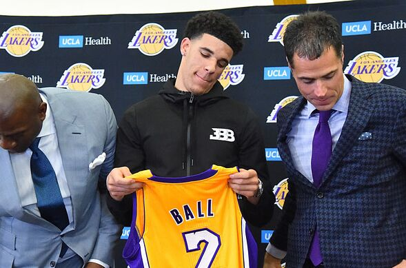 Los Angeles Lakers: Three ways to trade the first-round pick