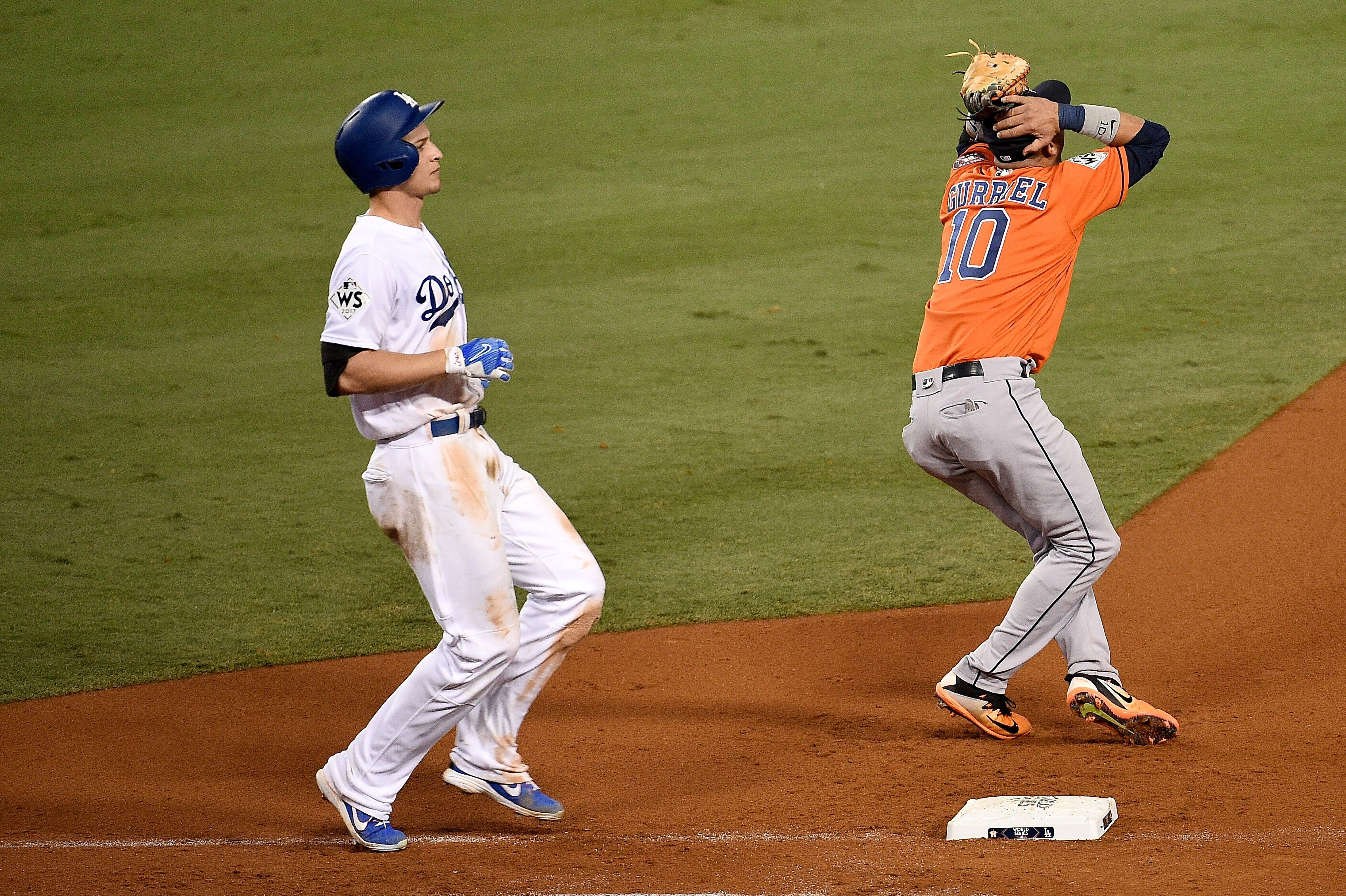 Los Angeles Dodgers: Did the Astros' sign stealing cost the World Series?