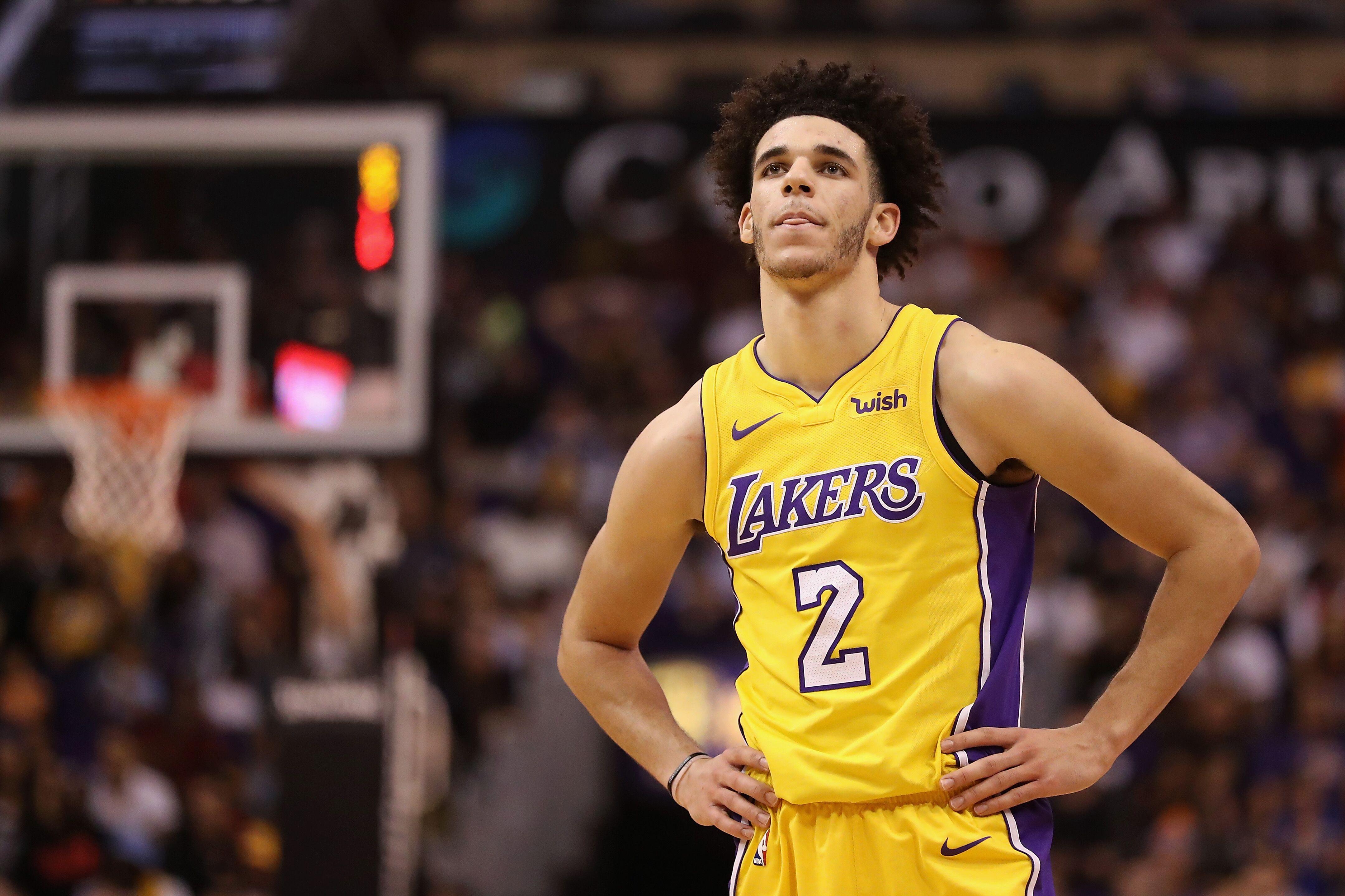 Lakers Rumors La Should Bench Lonzo Ball For Jordan Clarkson