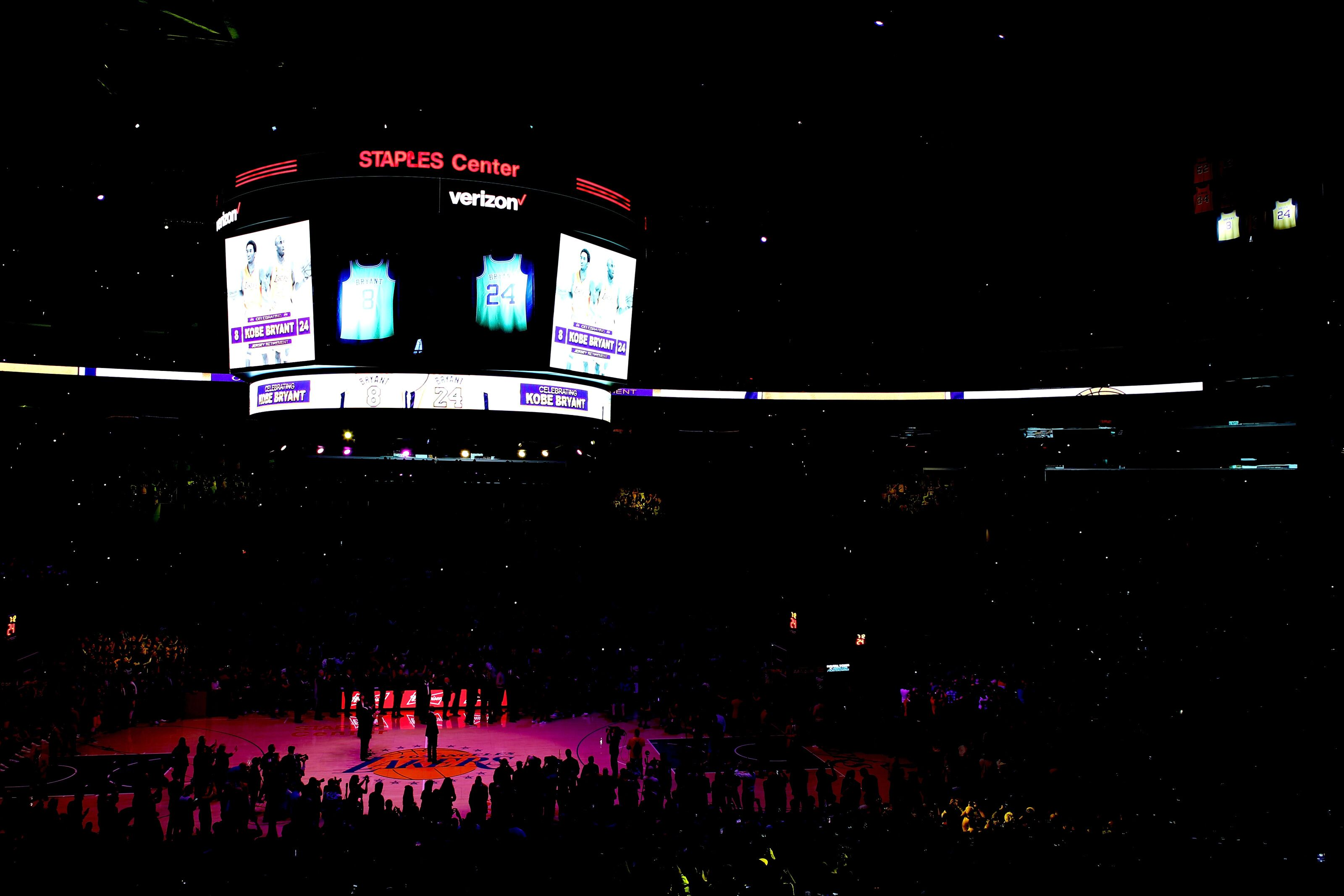 895196068-golden-state-warriors-v-los-angeles-lakers.jpg