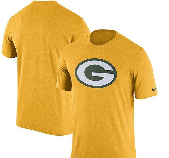 buy online fb938 a71f1 Must-have Green Bay Packers items for the 2018-19 season