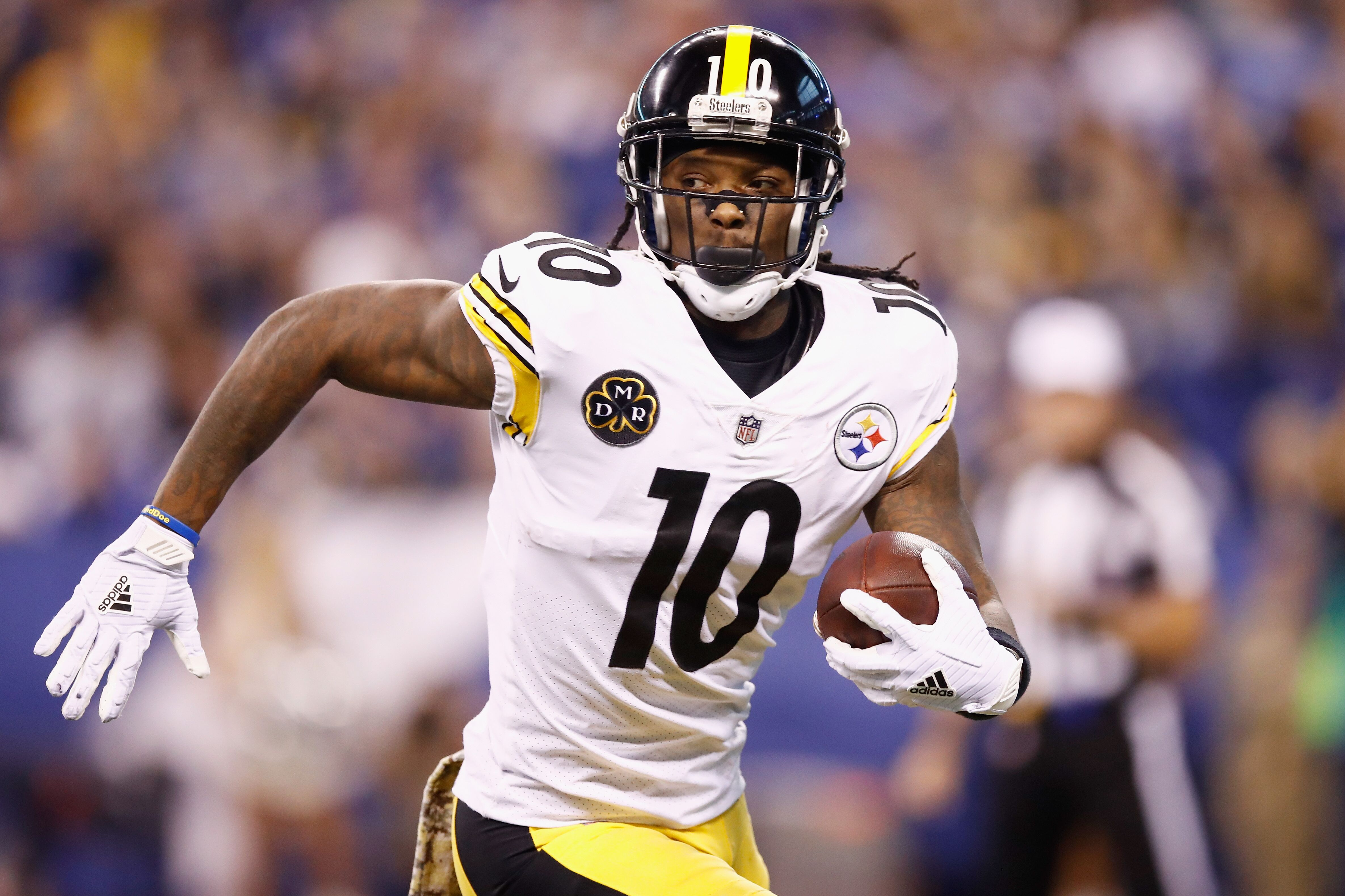 873318628-pittsburgh-steelers-v-indianapolis-colts.jpg