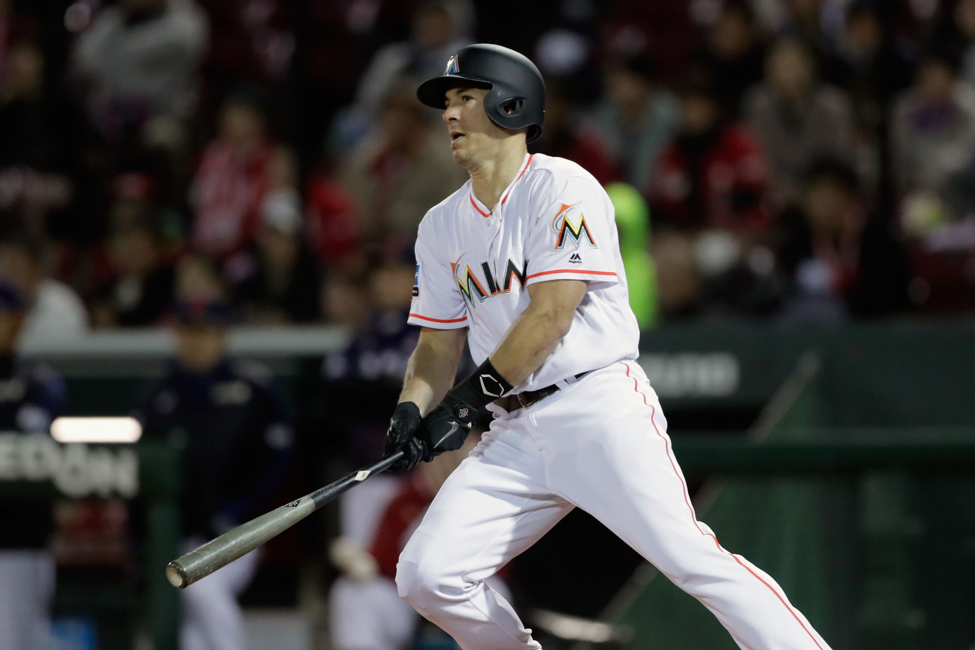 Miami Marlins Trade Rumors  The case for keeping J.T. Realmuto 912cc8680