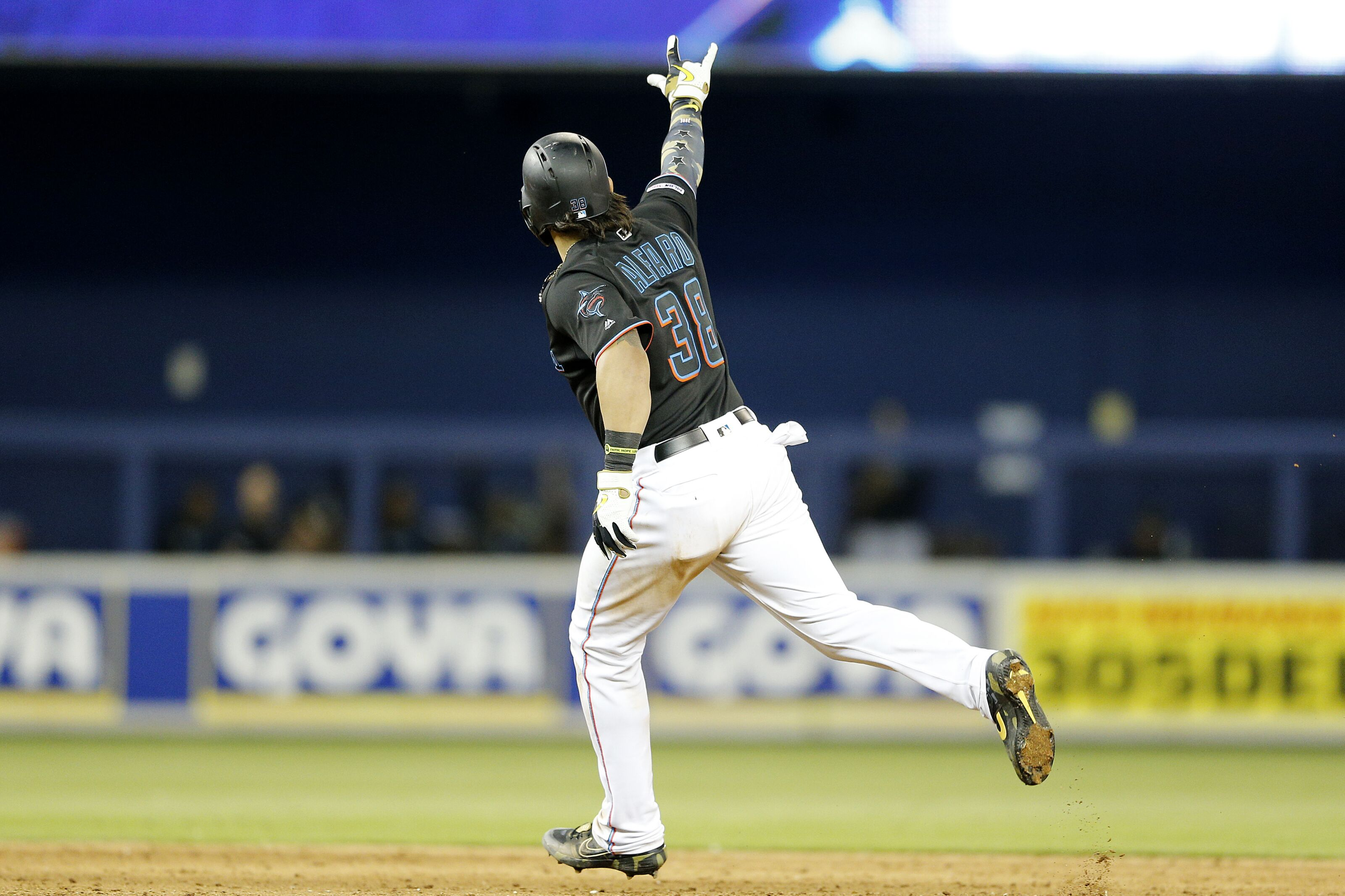 Miami Marlins Tag Seven on deGrom, Defeat New York Mets 8-6