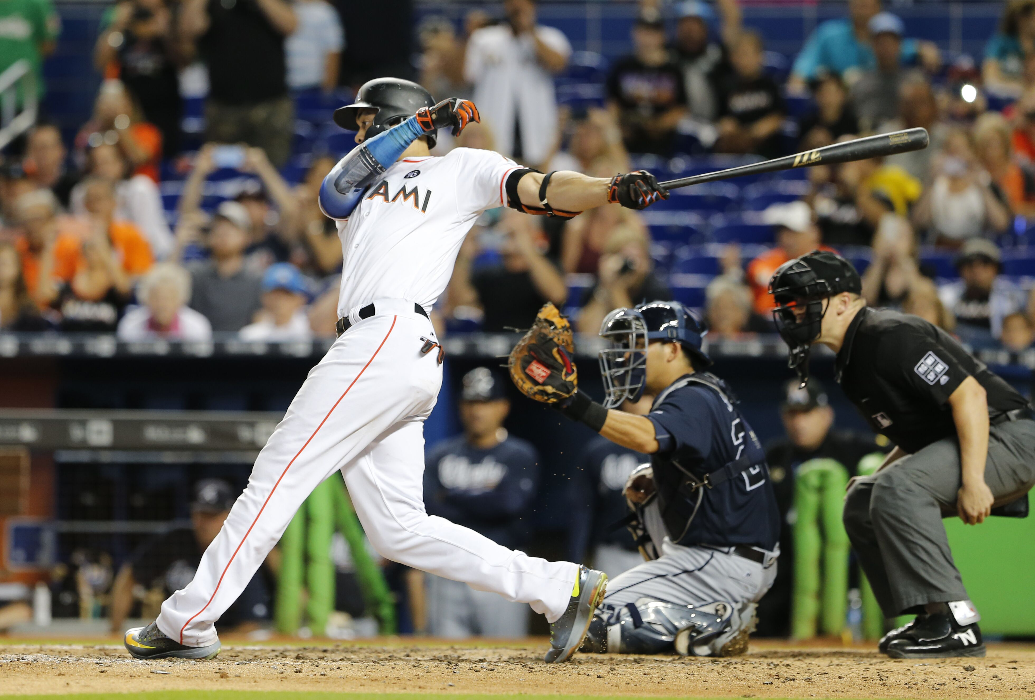 856418686-atlanta-braves-v-miami-marlins.jpg