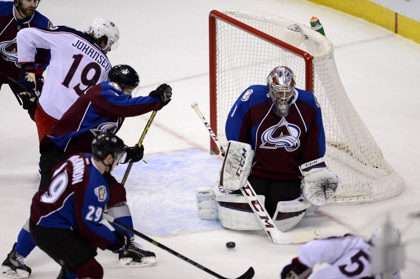 3295b552d77 Colorado Avalanche Goaltender Semyon Varlamov is Back to Bad Habits