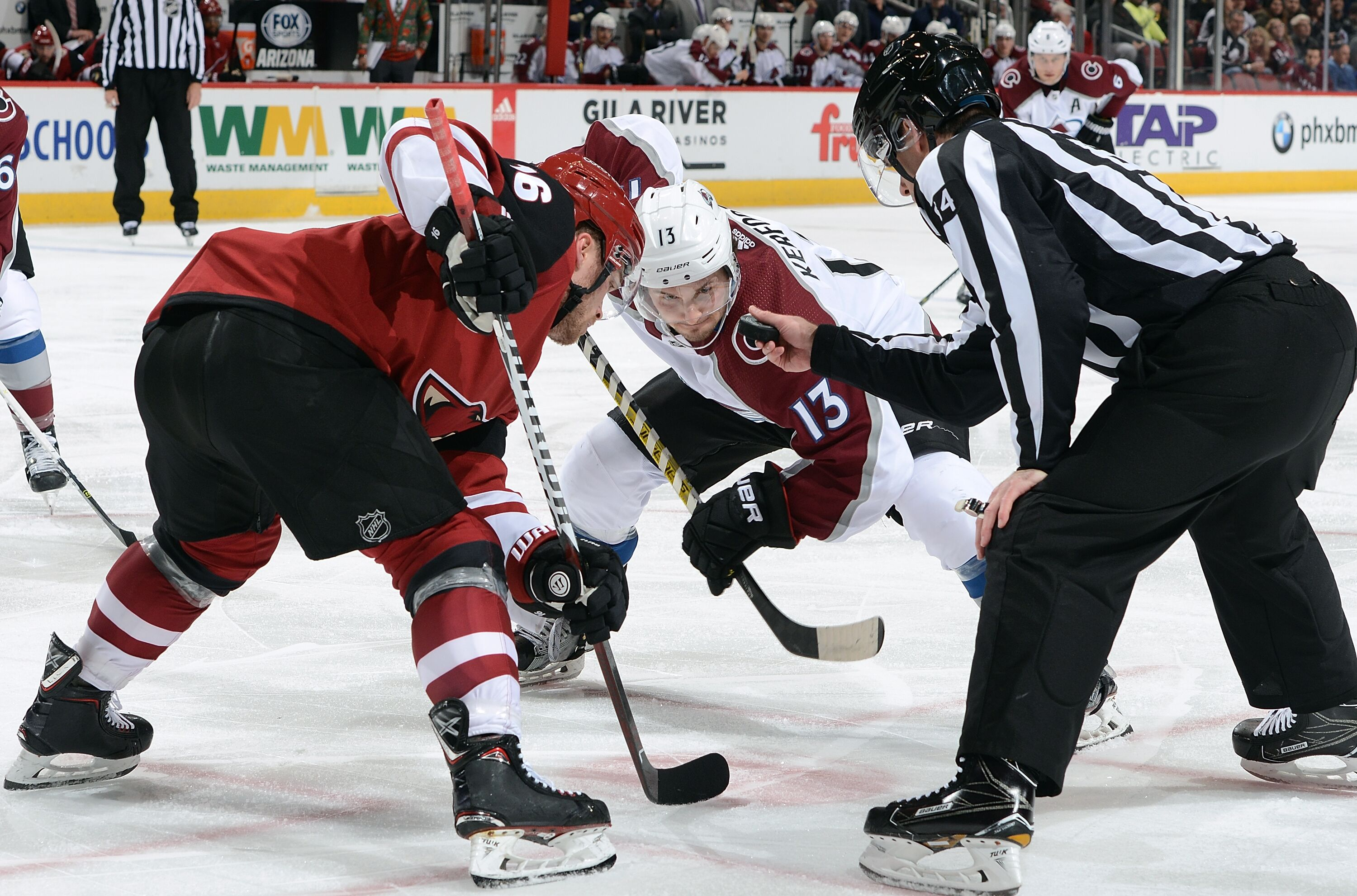 897867260-colorado-avalanche-v-arizona-coyotes.jpg