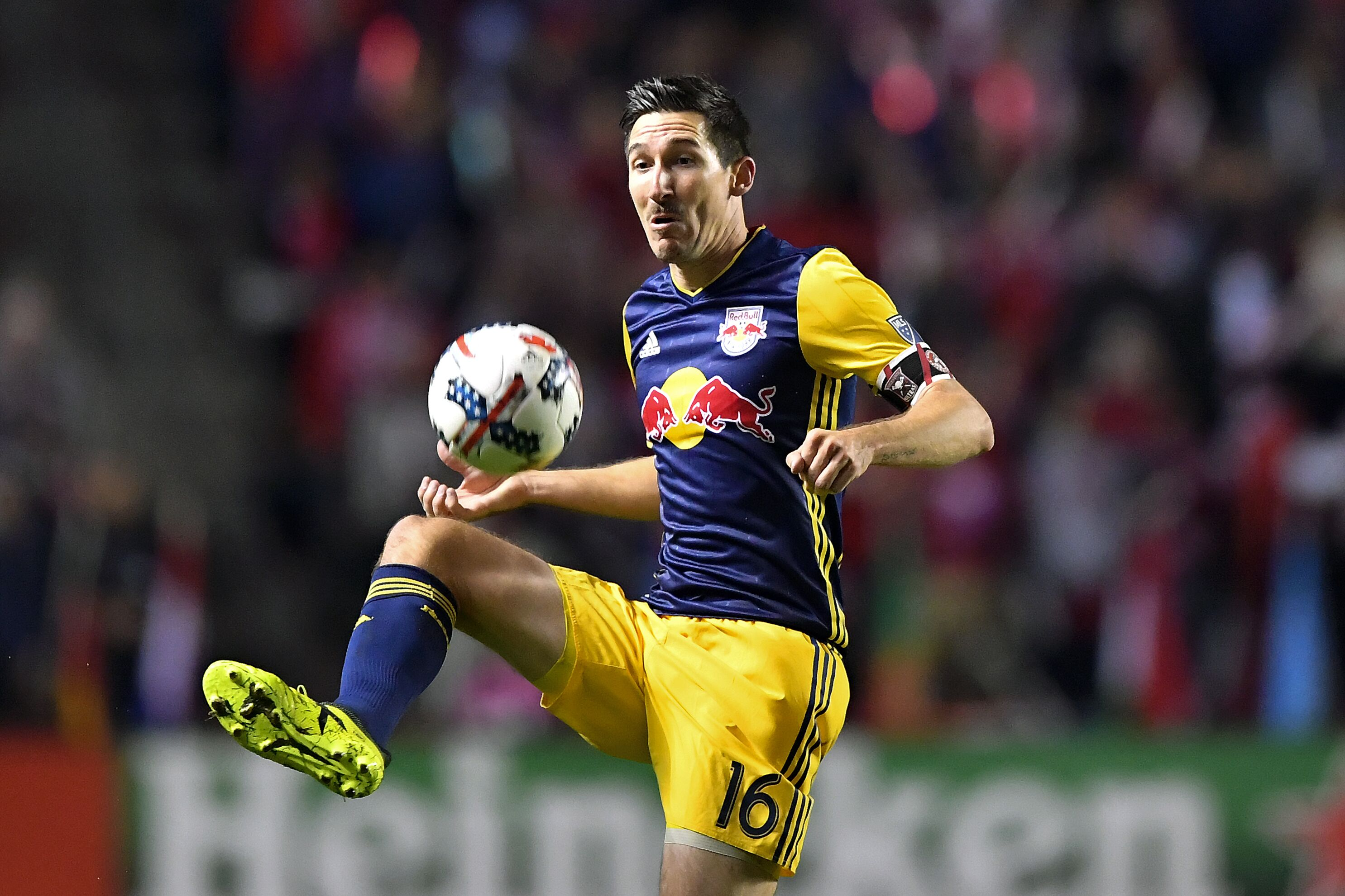 866713230-soccer-oct-25-mls-cup-playoffs-ny-red-bulls-at-chicago-fire.jpg