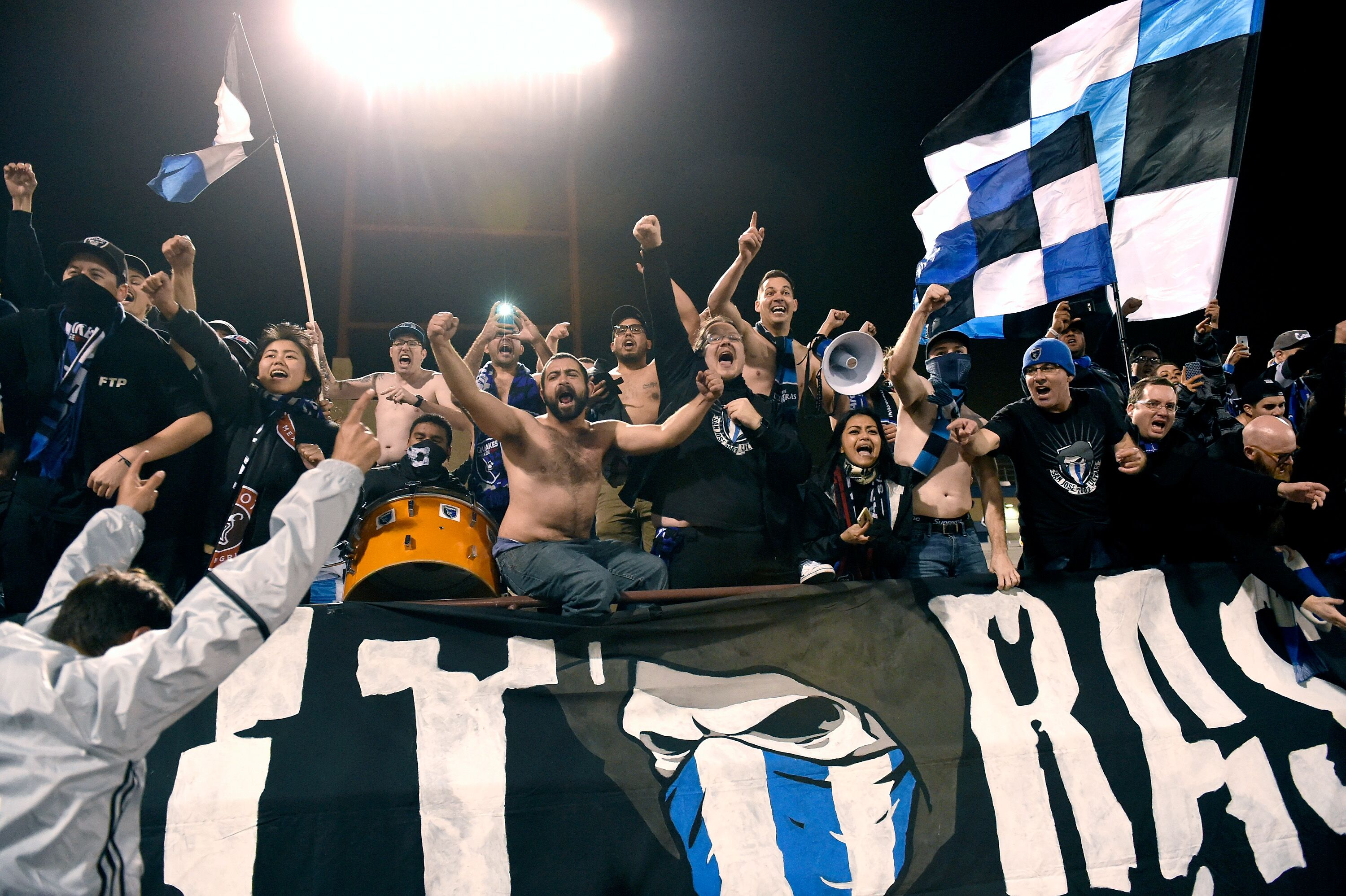 634828944-los-angeles-galaxy-v-san-jose-earthquakes.jpg