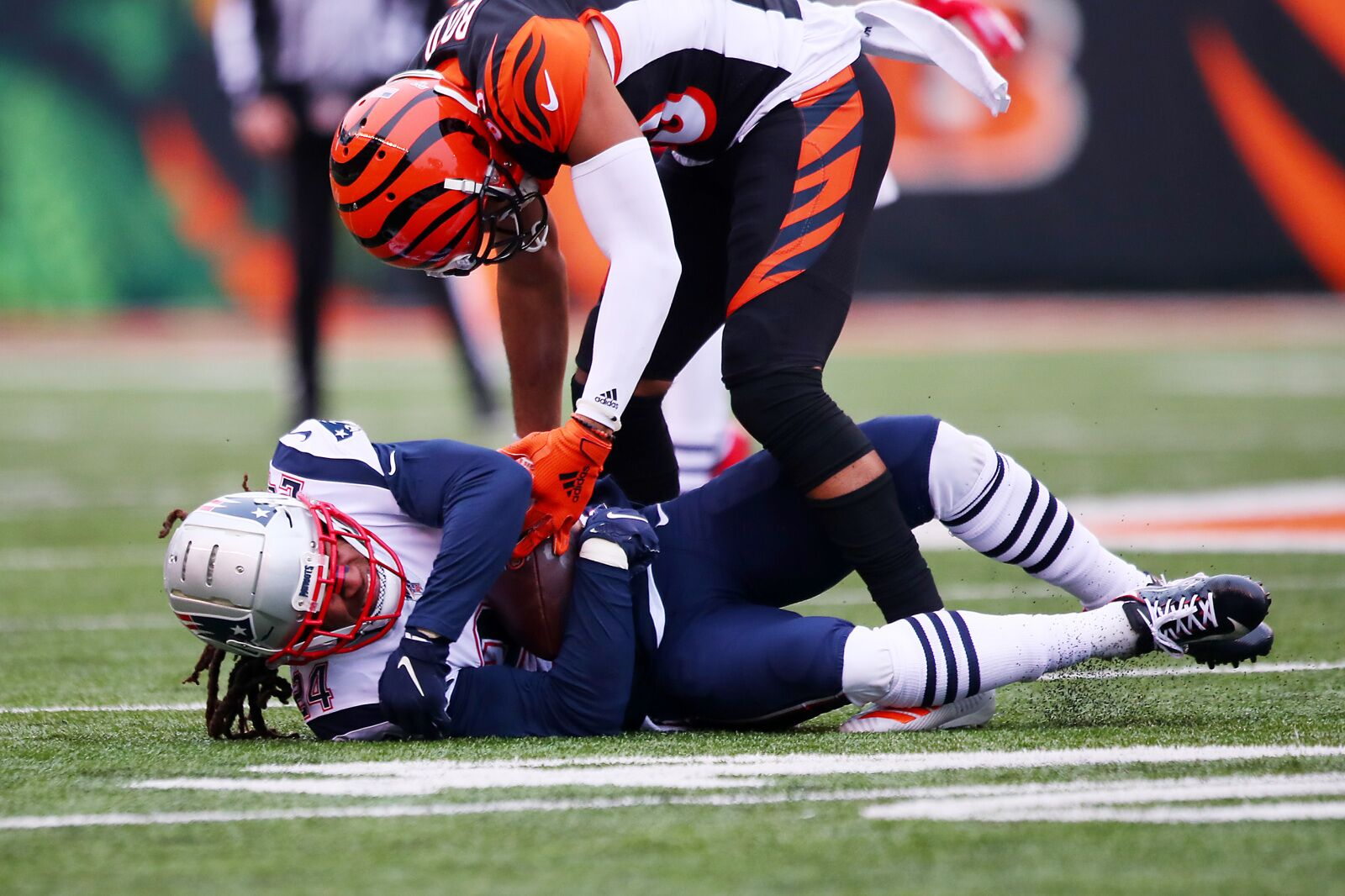 Stephon Gilmore propels the Patriots to win over Bengals and playoff spot