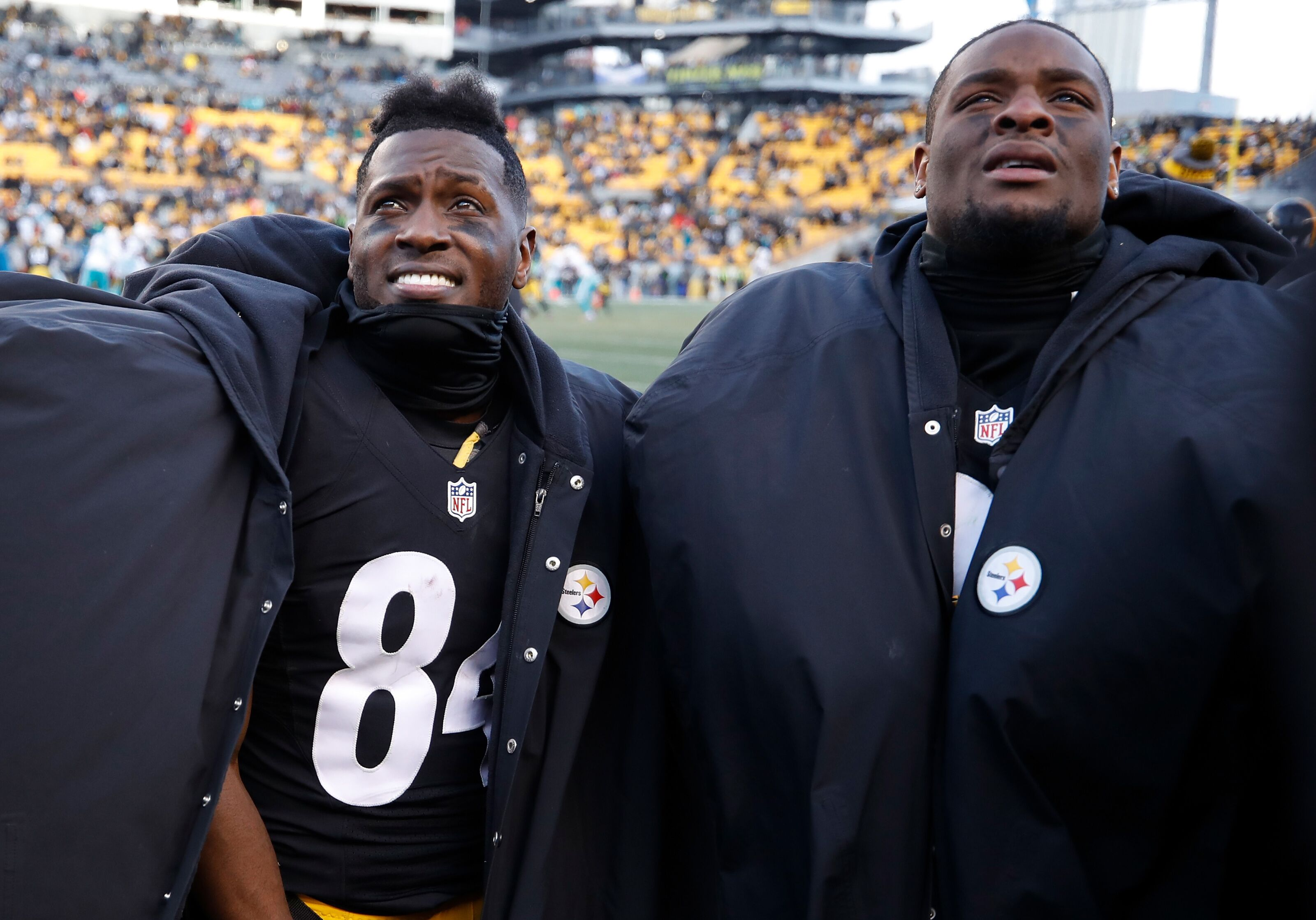 Le'Veon Bell offers advice to former teammate Antonio Brown