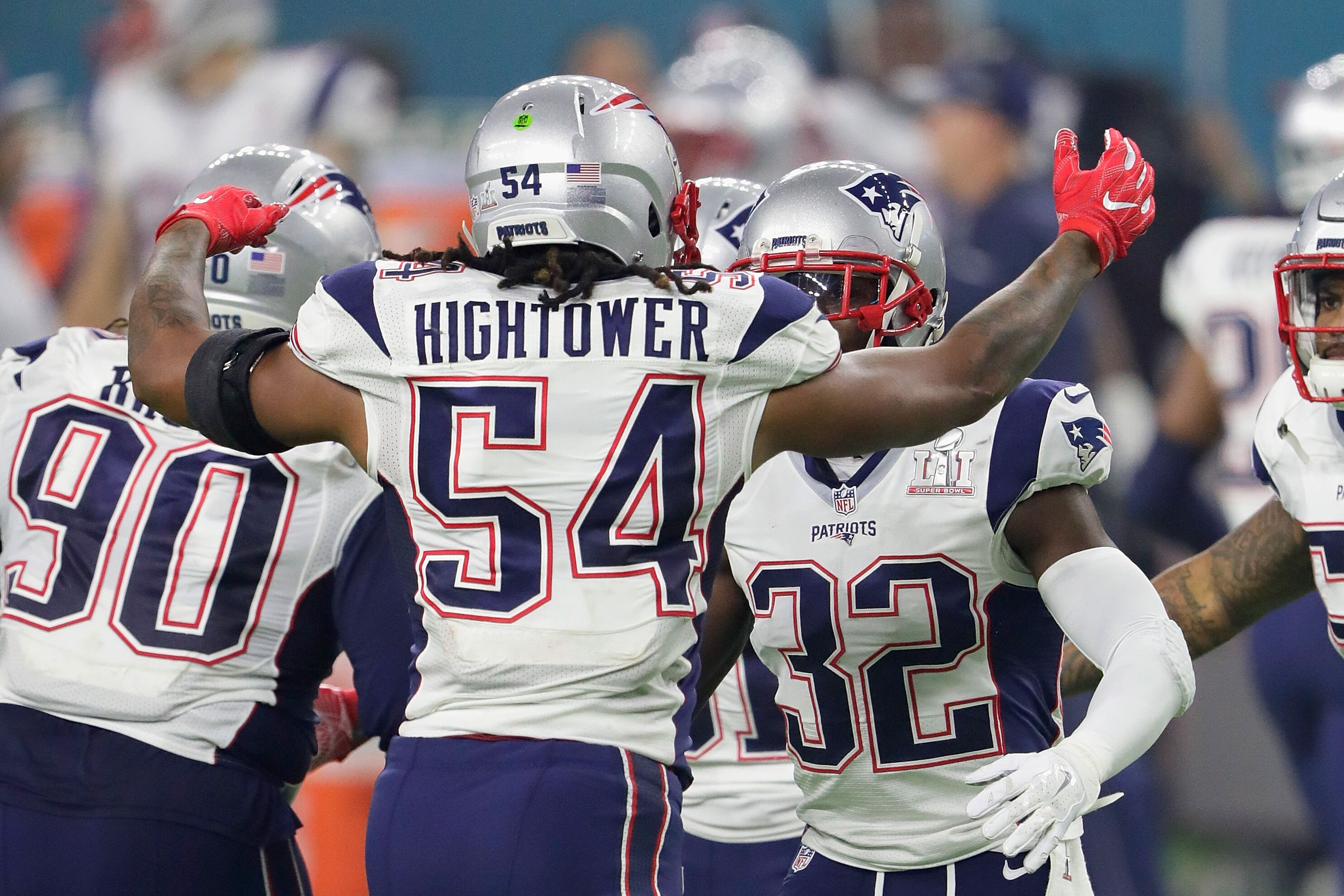 New England Patriots Dont a Hightower working with Tom Brady s