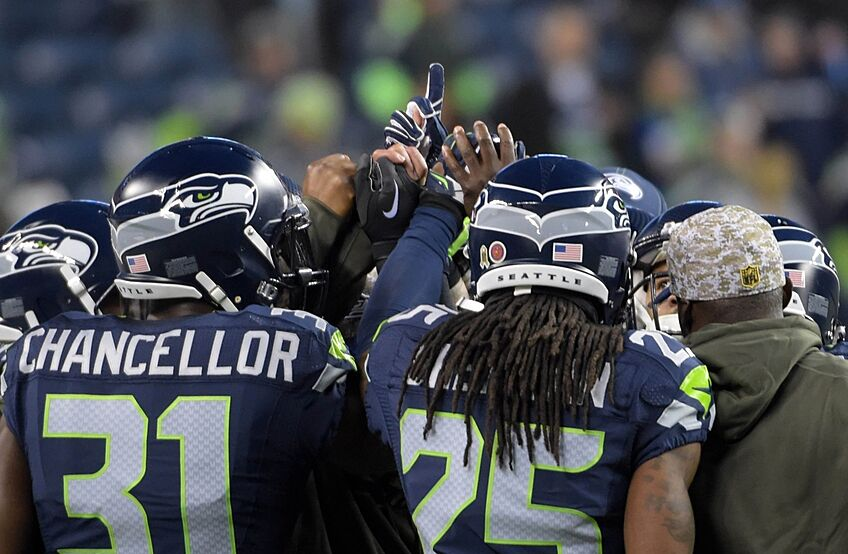 sports shoes 6fa4b f399f Seattle Seahawks: Key Games to Watch for in 2016