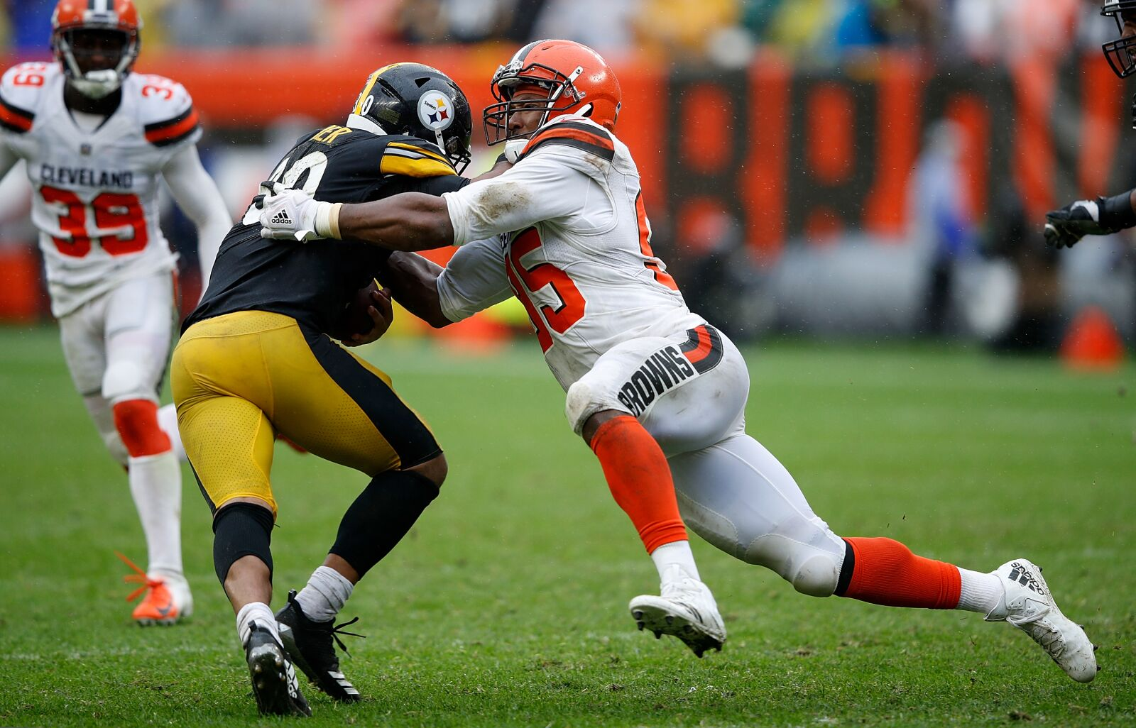 Cleveland Browns: Myles Garrett a major Defensive Player of the Year threat