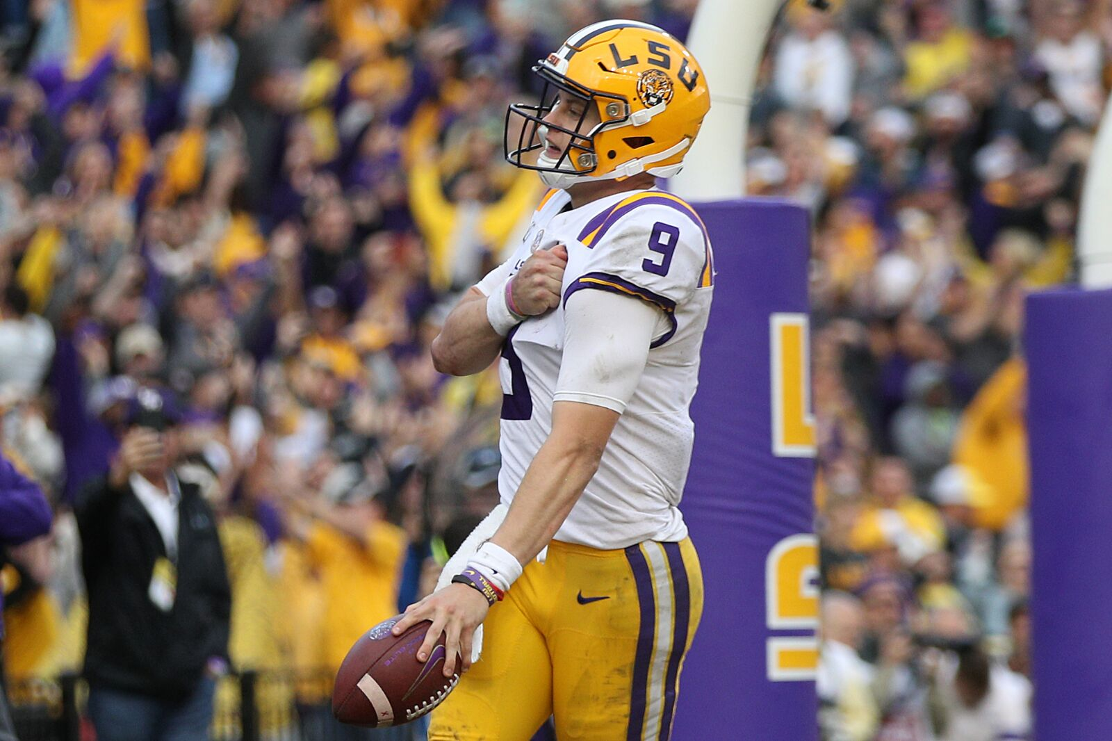 2020 NFL Draft: LSU's Joe Burrow continues to pass every test