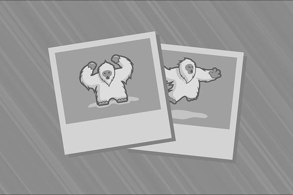 Lofa Tatupu works out with Denver Broncos 40c655be1