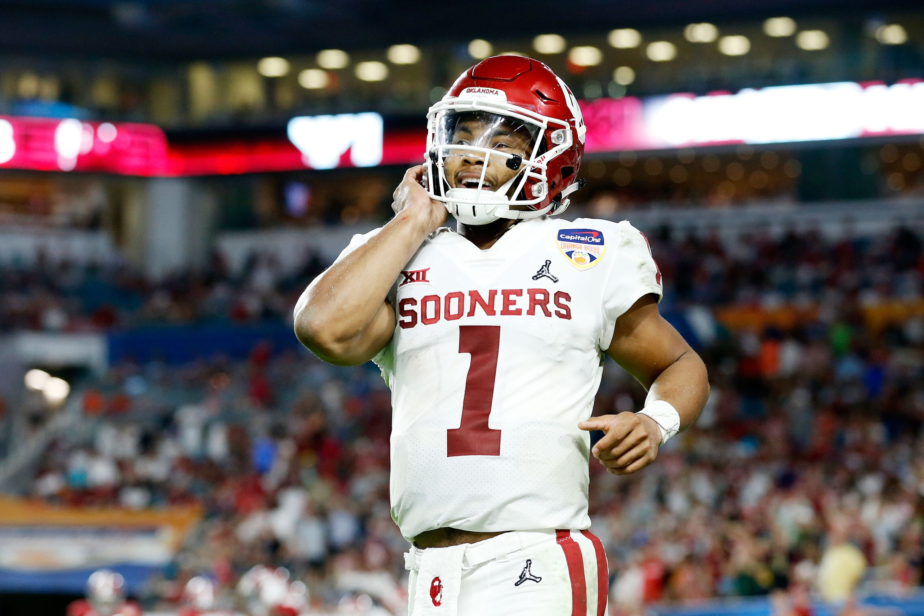 Oakland Raiders: What do private workouts for Kyler Murray, Dwayne Haskins mean?