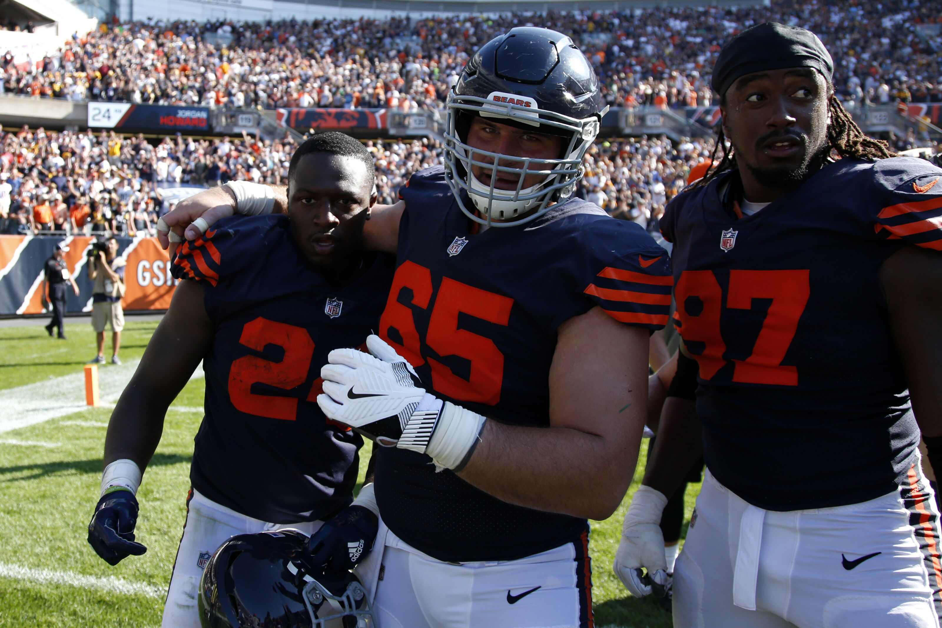 Chicago Bears: Team needs to change plan at center
