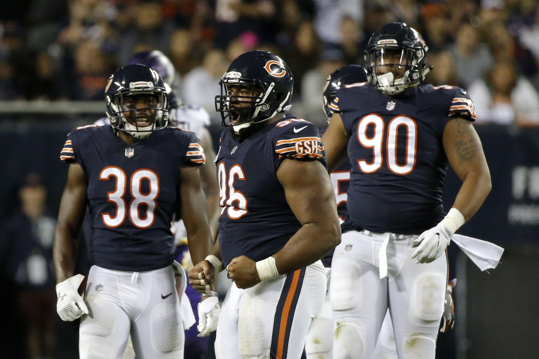 859582038-minnesota-vikings-v-chicago-bears.jpg