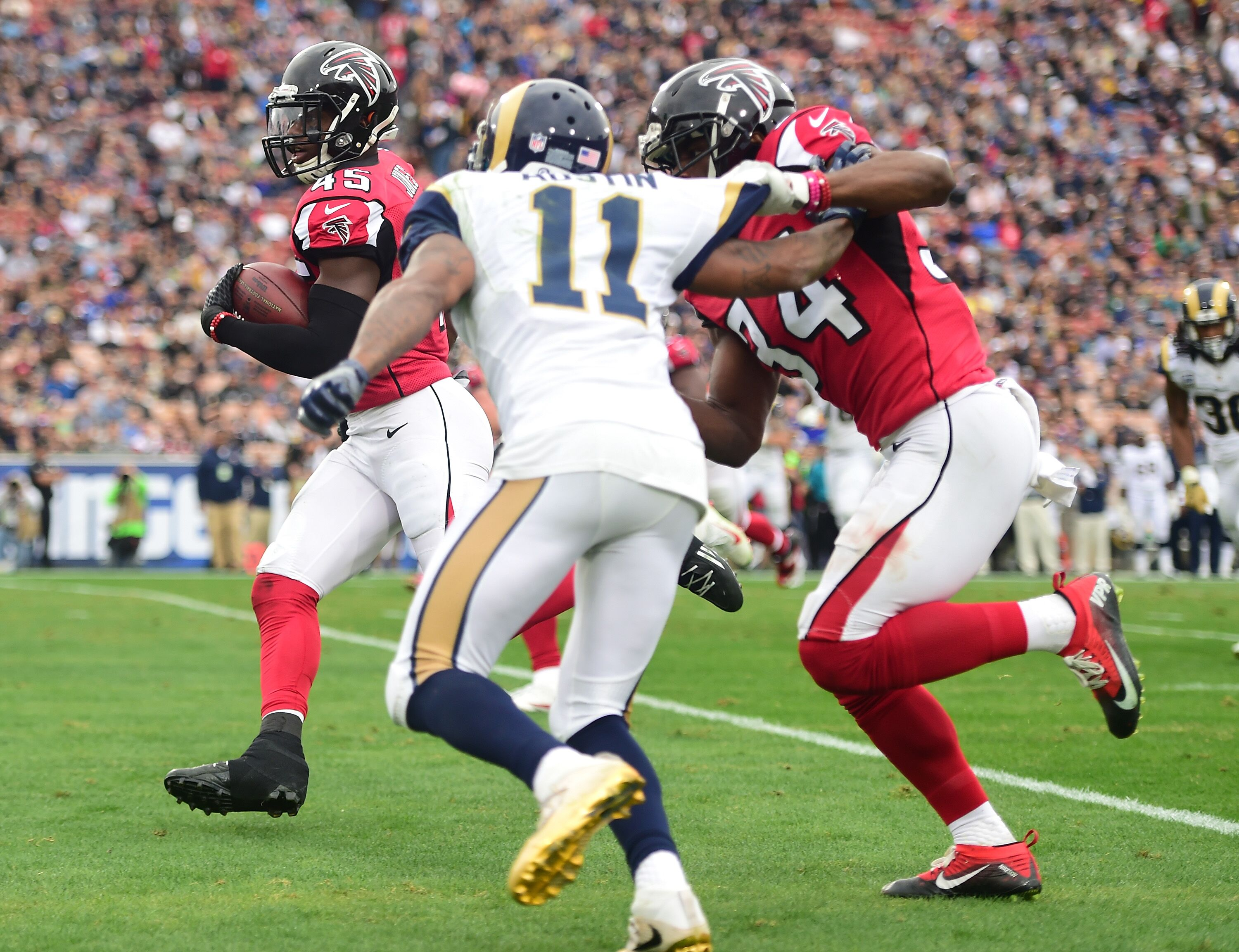 629175572-atlanta-falcons-v-los-angeles-rams.jpg