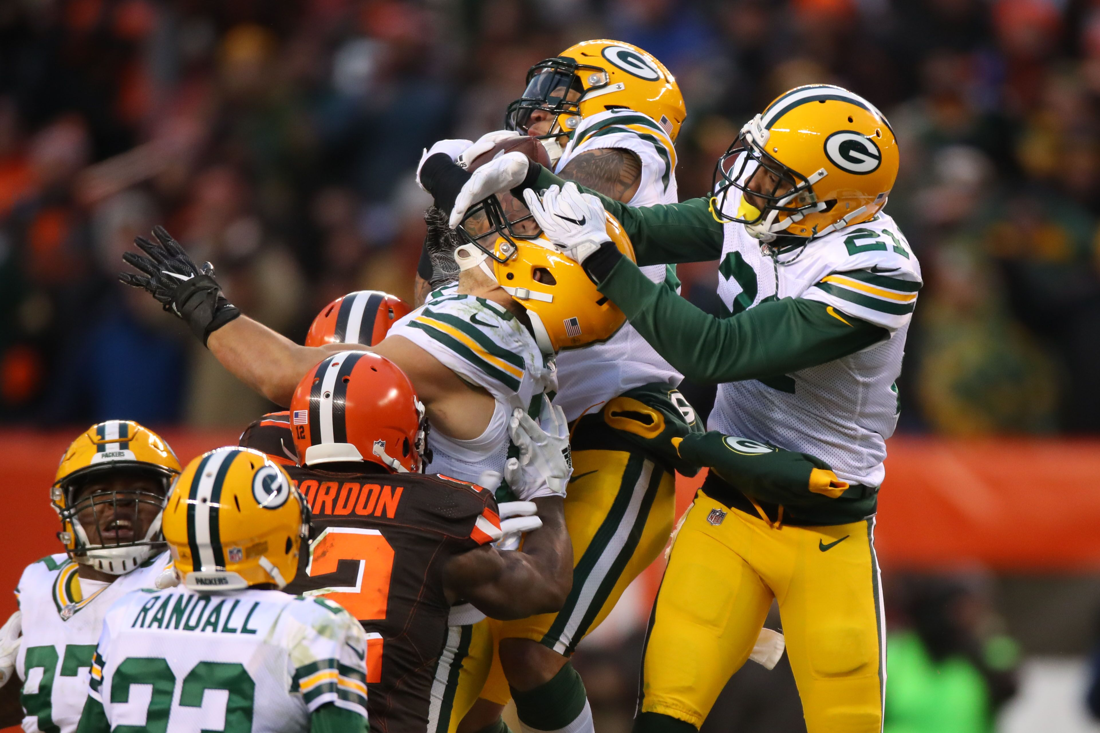 889716672-green-bay-packers-v-cleveland-browns.jpg