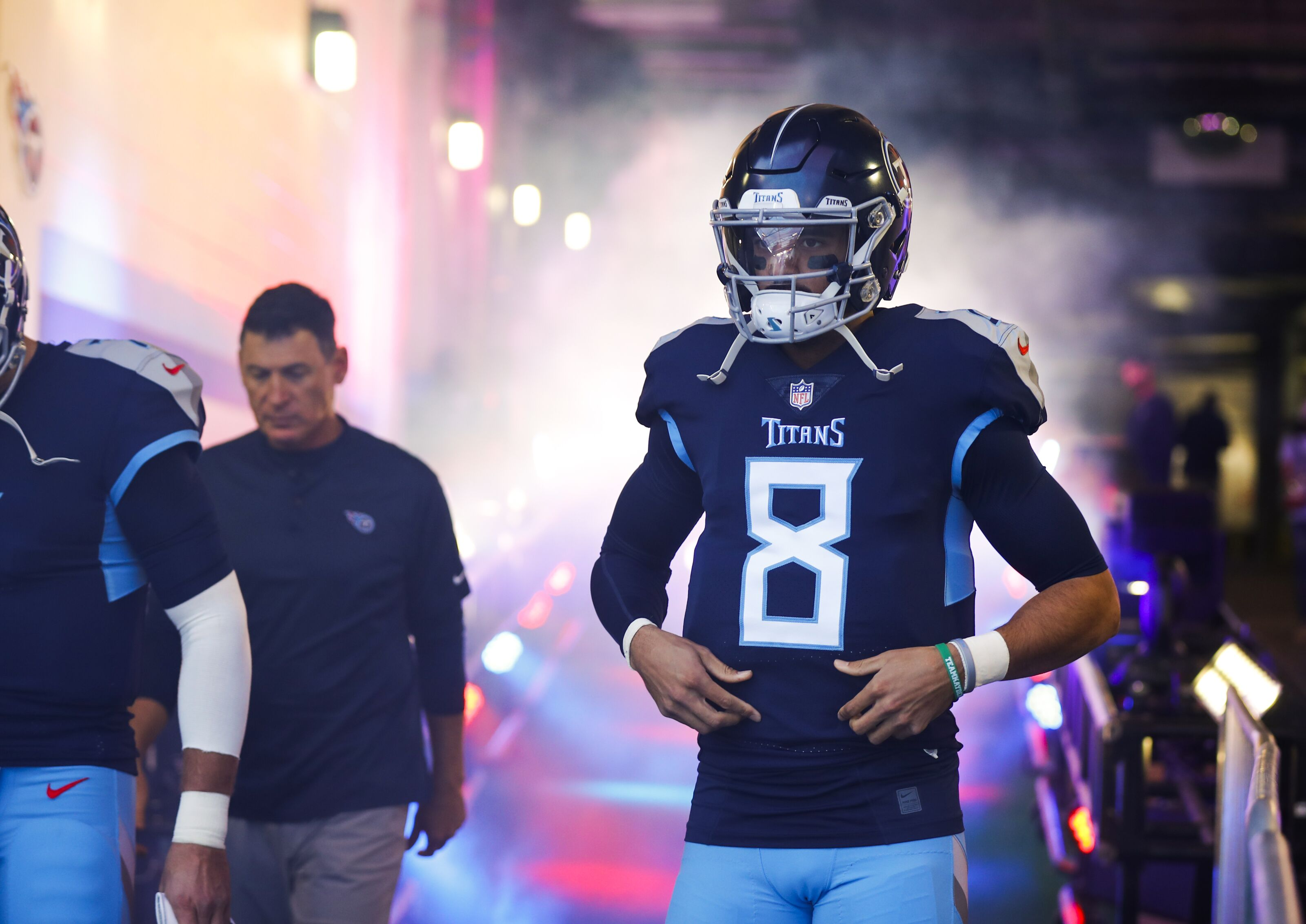 Tennessee Titans Face Unlikely Quarterback Controversy