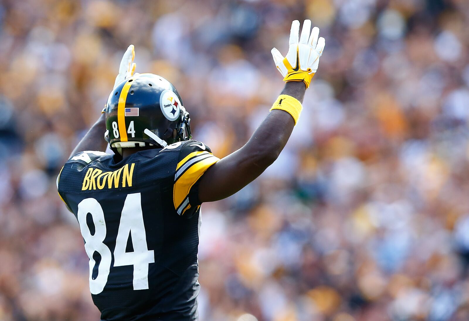 c8e4a439aa5 49ers benefit by missing out on wide receiver Antonio Brown
