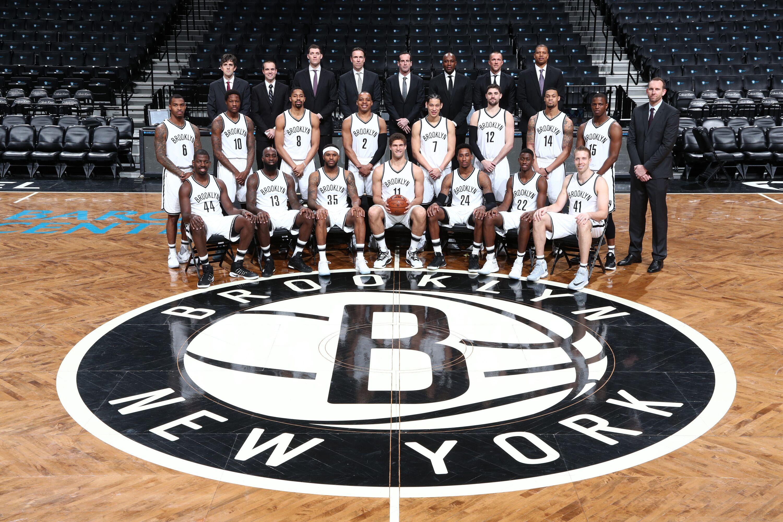 664063394-2016-17-brooklyn-nets-team-pho