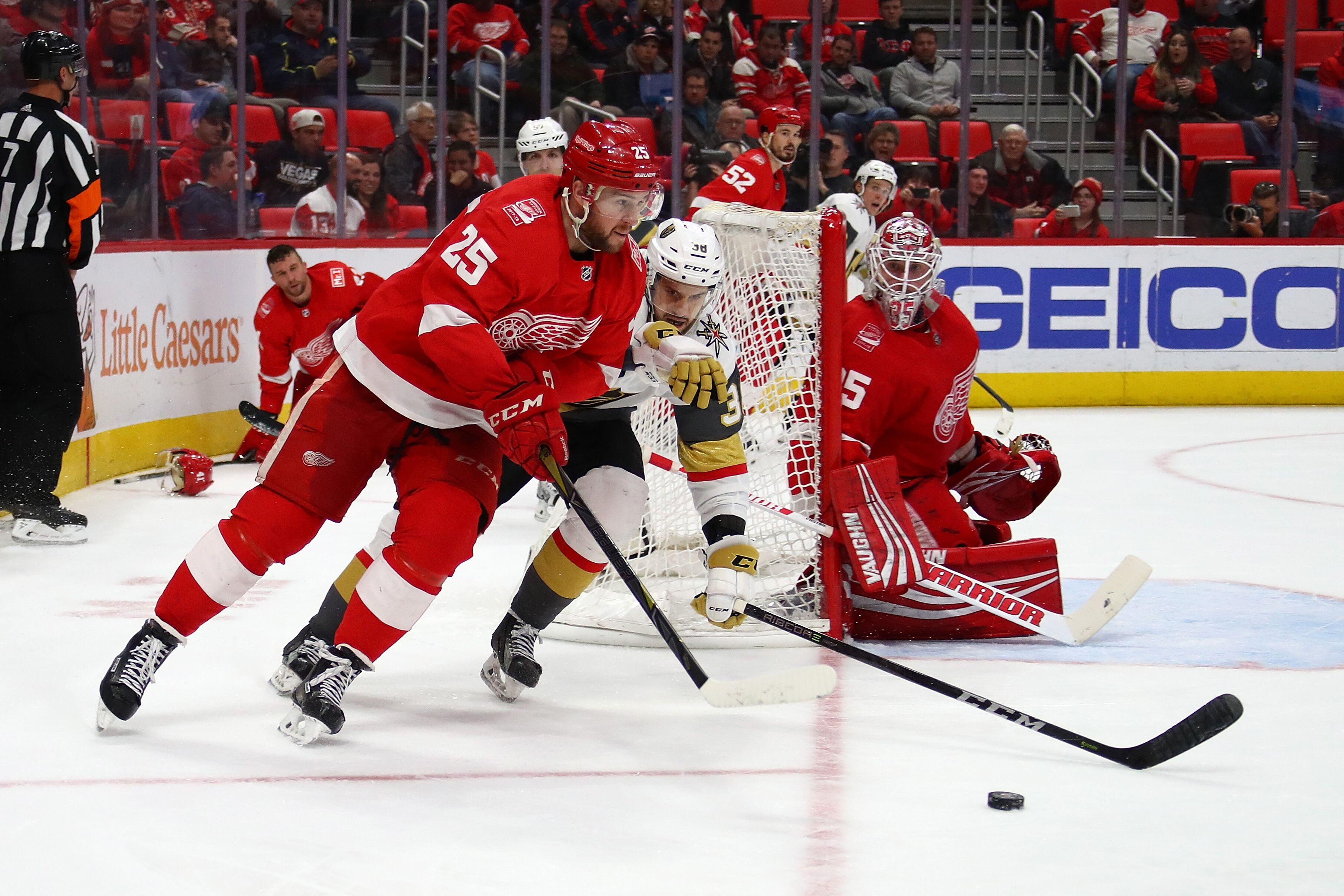 Speaking, red wings and golden showers with