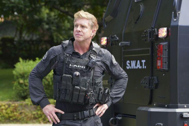 Cast Of Swat 2018: Chicago Fire Alum Kenny Johnson's SWAT Gets Season