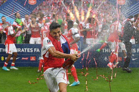 2aac160f4d7cf6 Arsenal  3 reasons why Alexis Sanchez is the perfect mentor for Alex ...