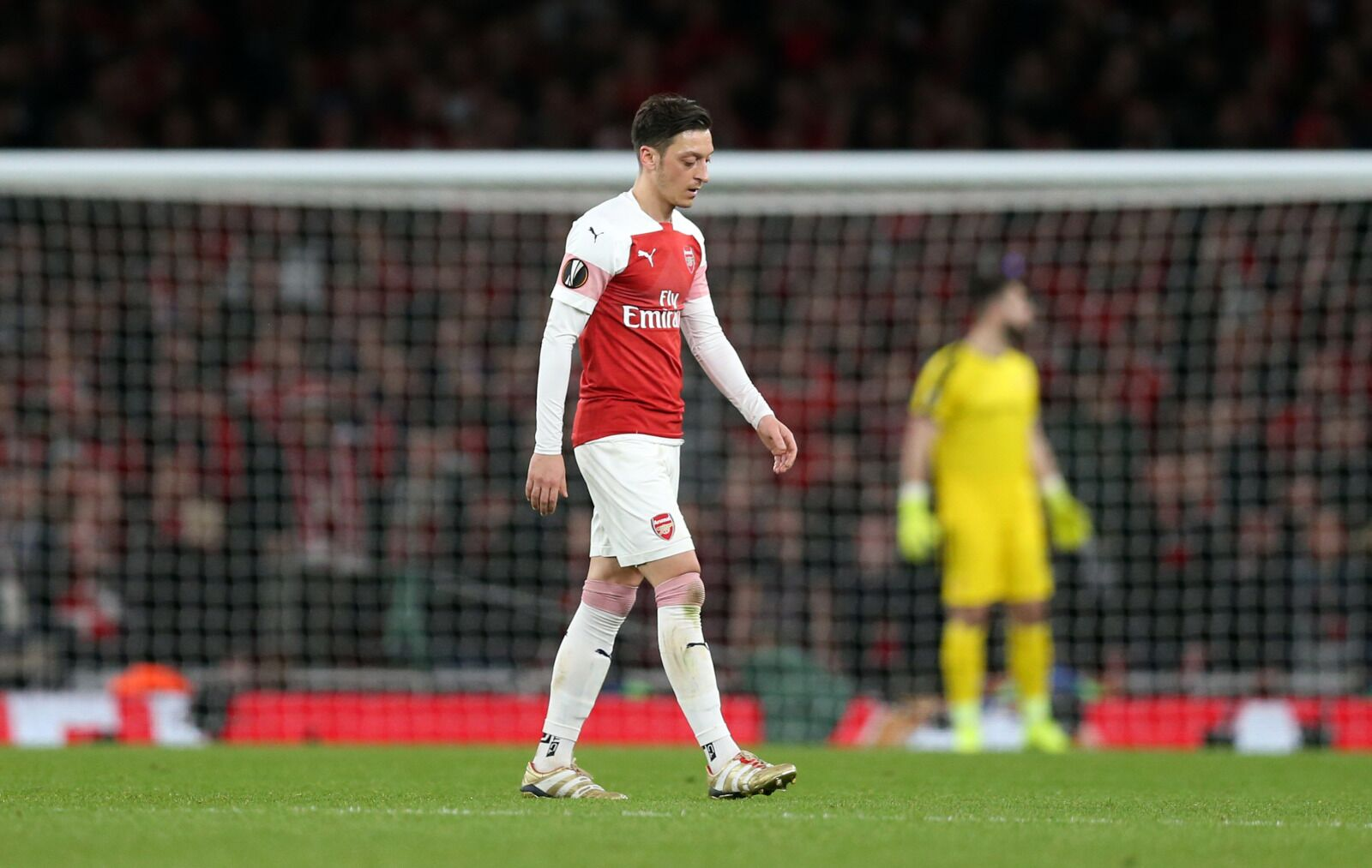 Arsenal: It feels like Mesut Ozil is holding the club hostage