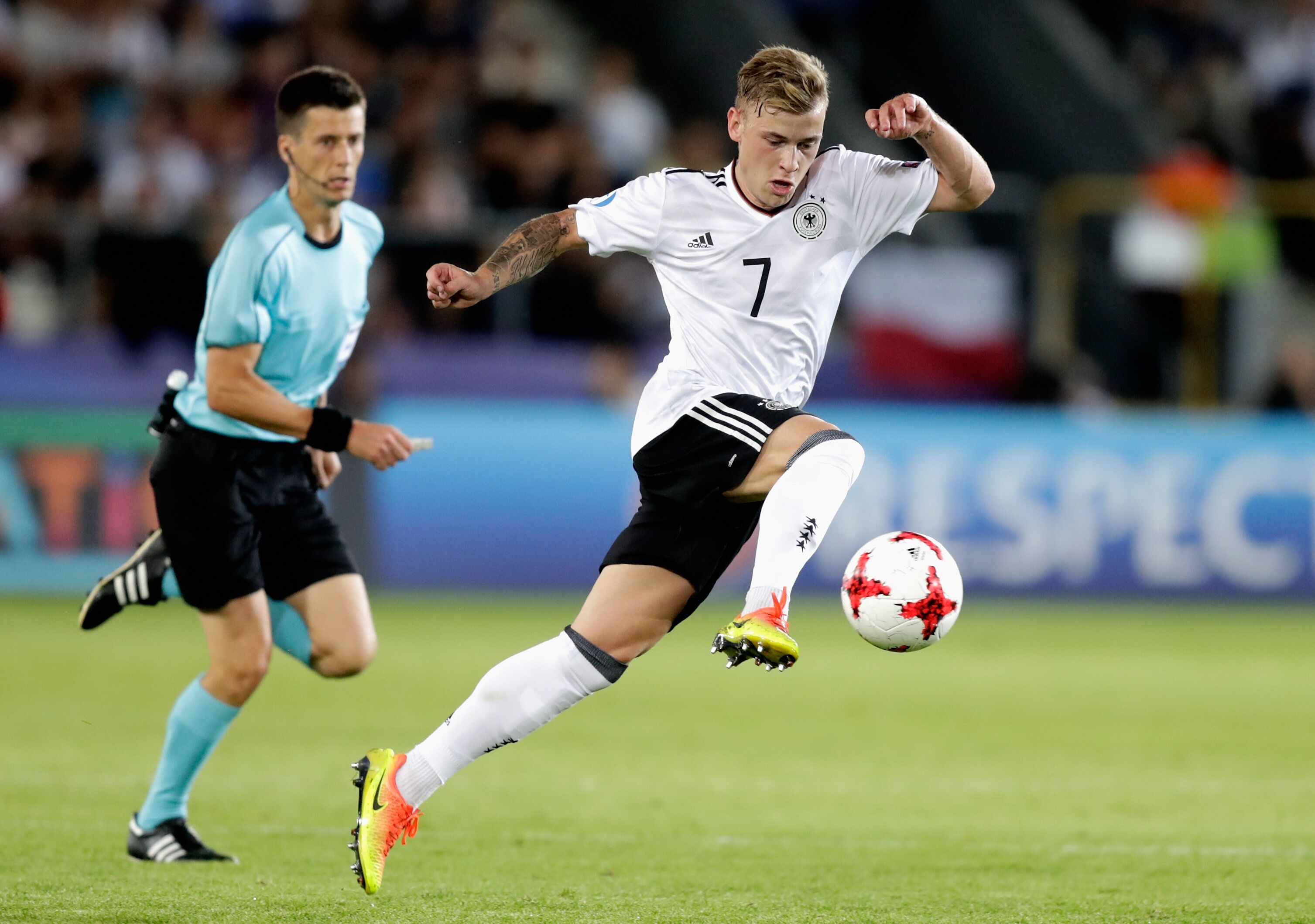Arsenal: Max Meyer has one clear prerogative and it's a brilliant one