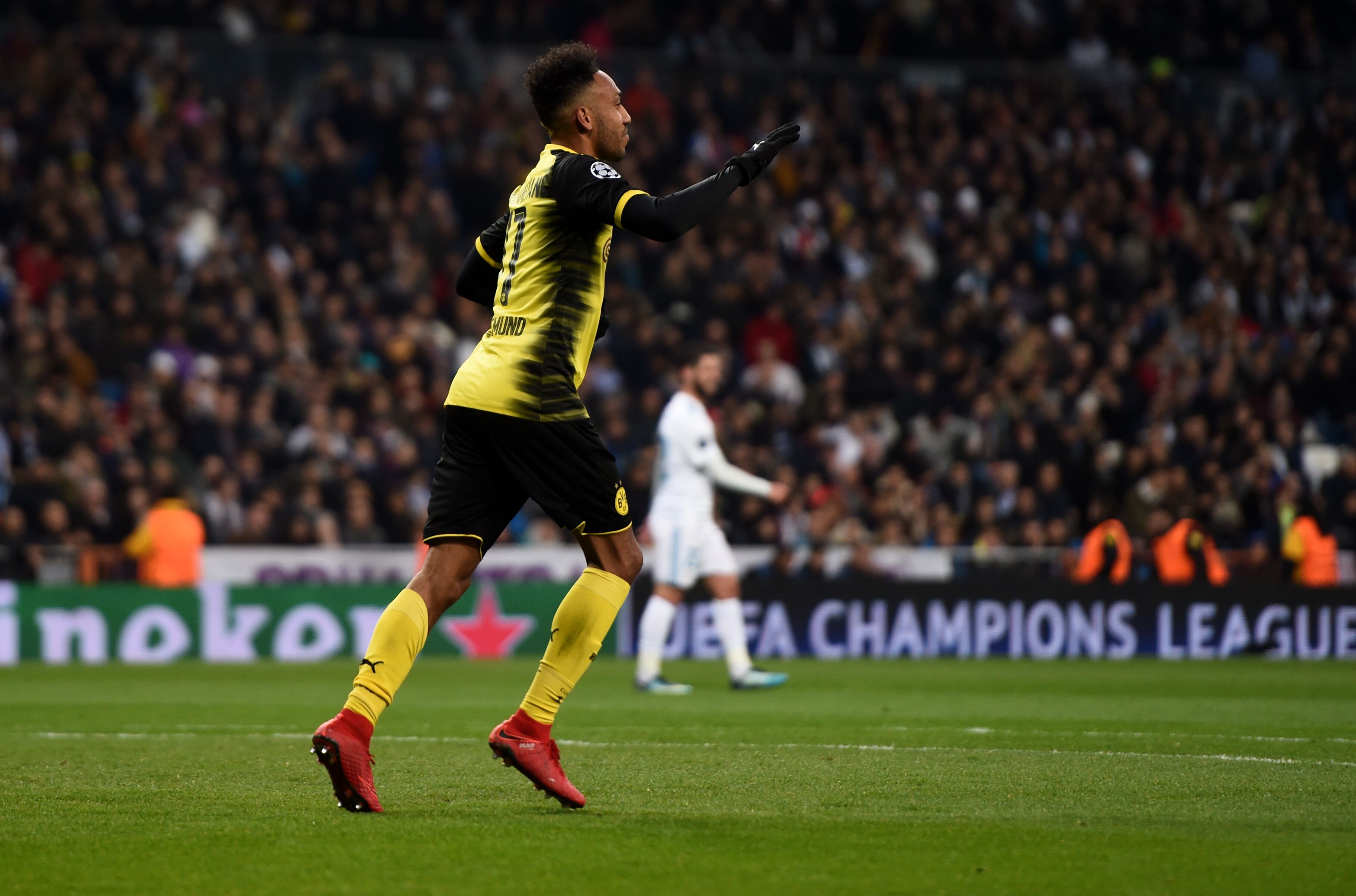 Arsenal: Pierre-Emerick Aubameyang did something Alexis could not