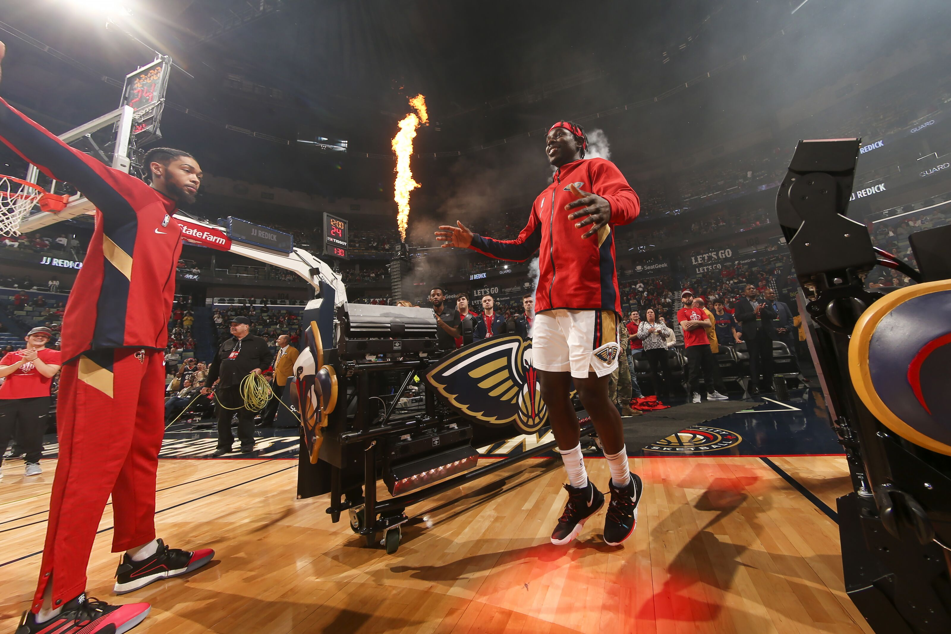 New Orleans Pelicans host Trail Blazers on night of Carmelo's debut
