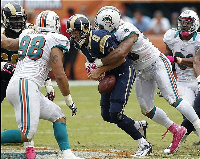 Dolphins Beat Rams Give Ross 1 Up