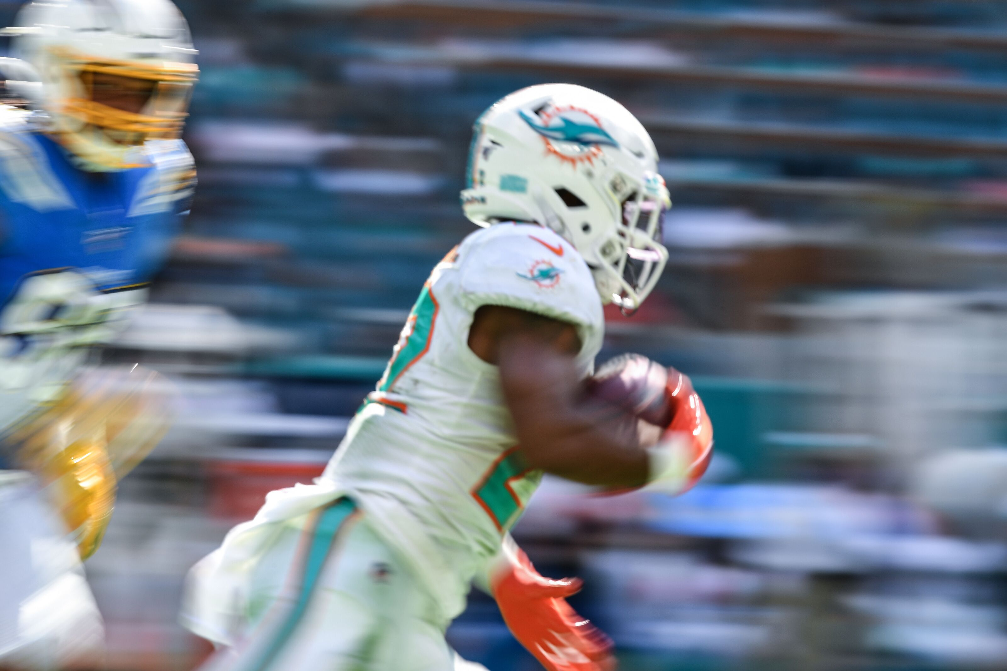 Miami Dolphins running back Mark Walton arrested and waived