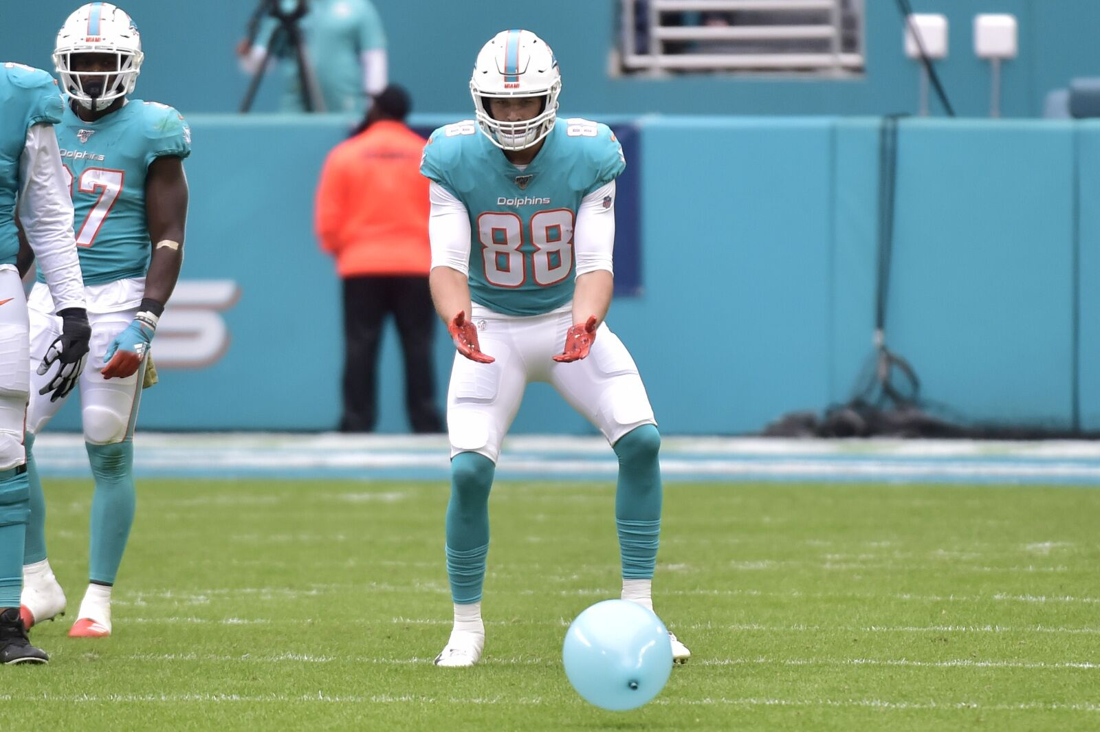 Miami Dolphins winning streak ends at two despite attempt at comeback