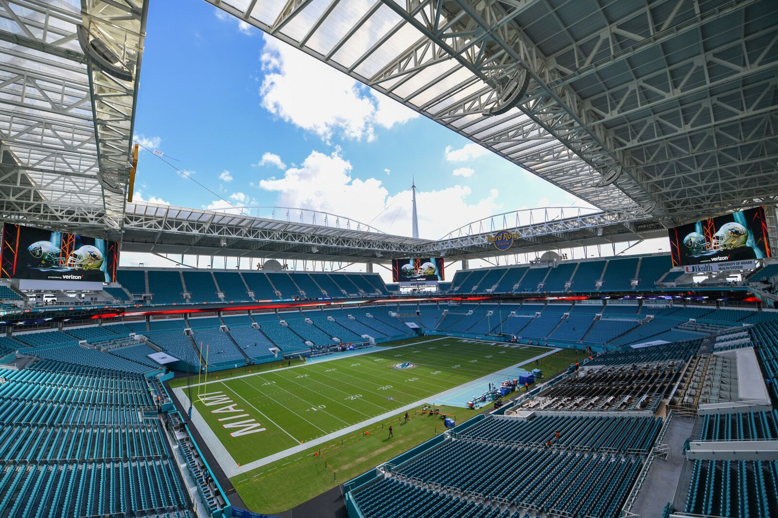 Final injury report for Miami Dolphins vs. New England Patriots