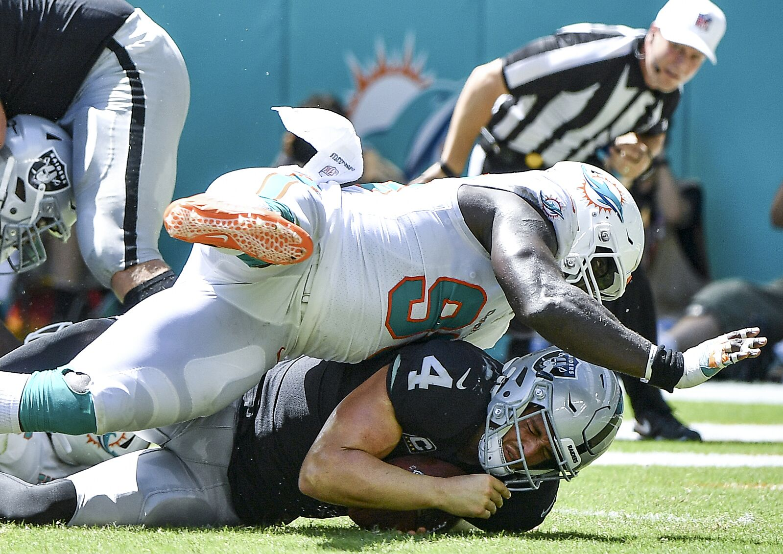 The six worst injuries for the Miami Dolphins in 2018 - Page 4